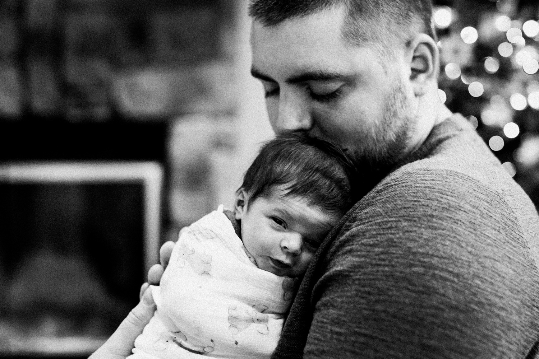 dekalb_sycamore_IL_inhome_newborn_family_photographer_0024.jpg