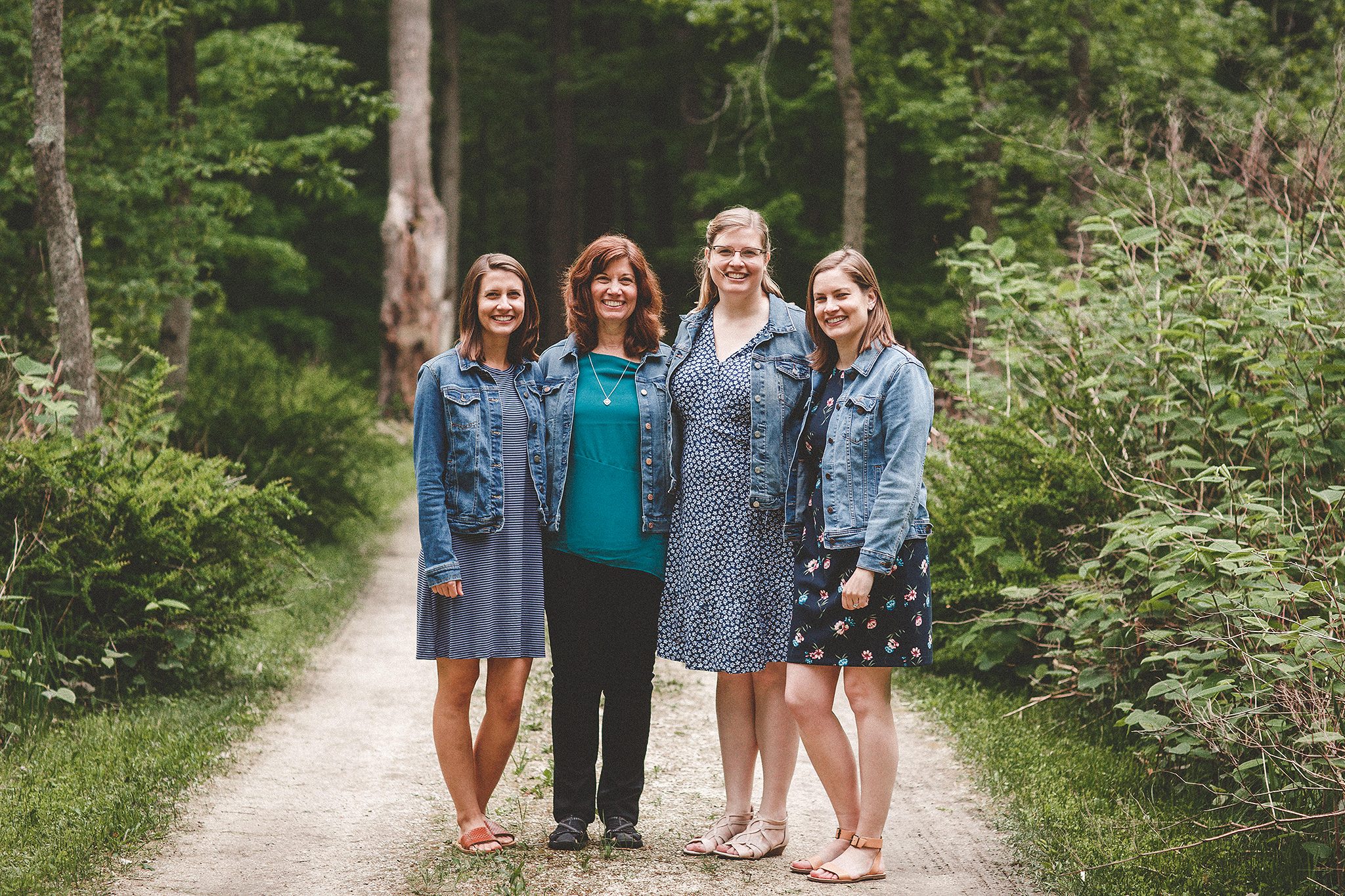 Mother & adult daughters | forest photoshoot | sheboygan, WI family photographer | Chrissy Deming Photography