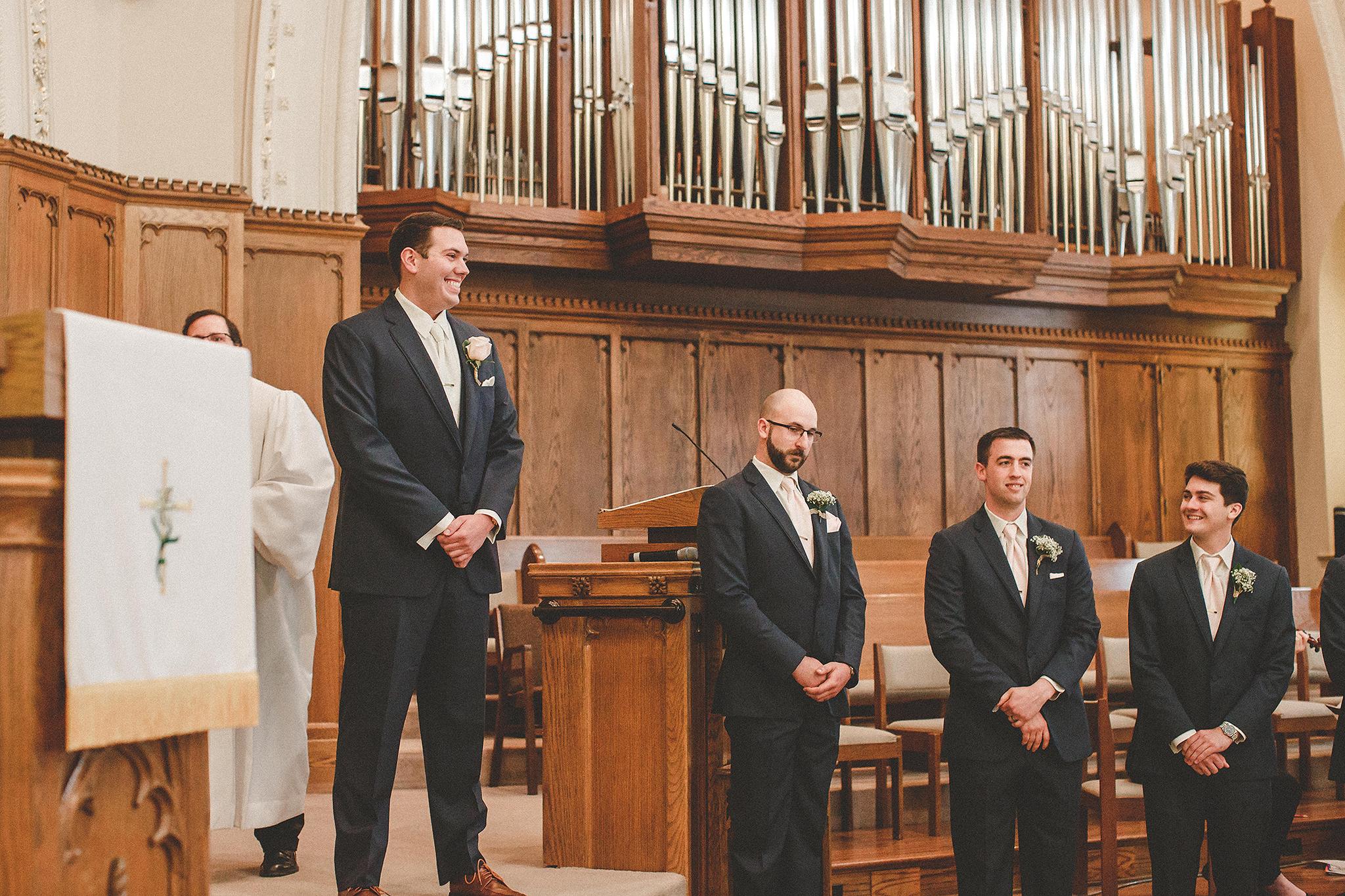 wedding ceremony at first united methodist church | dekalb, il wedding photographer