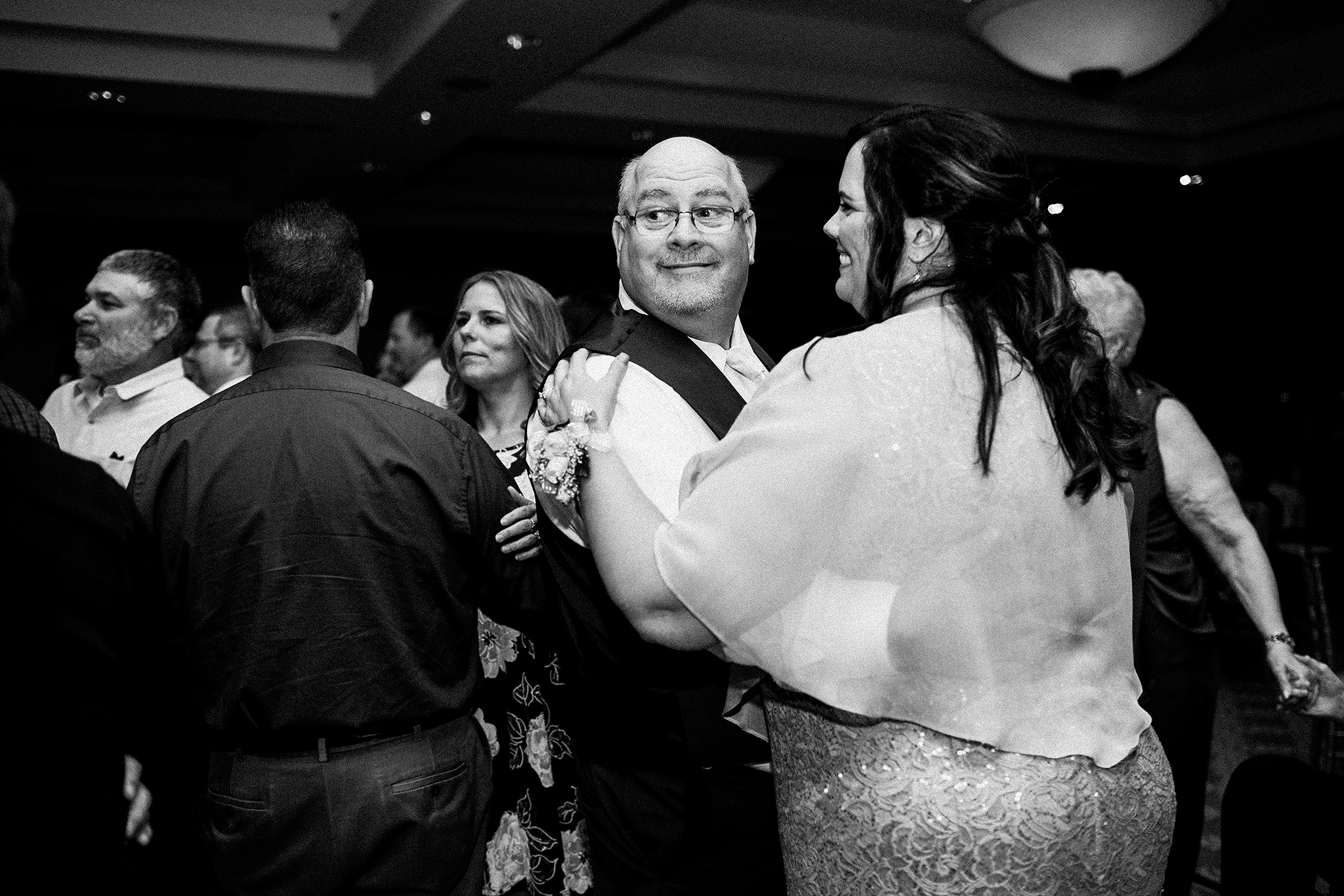 groom's parents dancing at wedding reception | dekalb, il wedding photographer