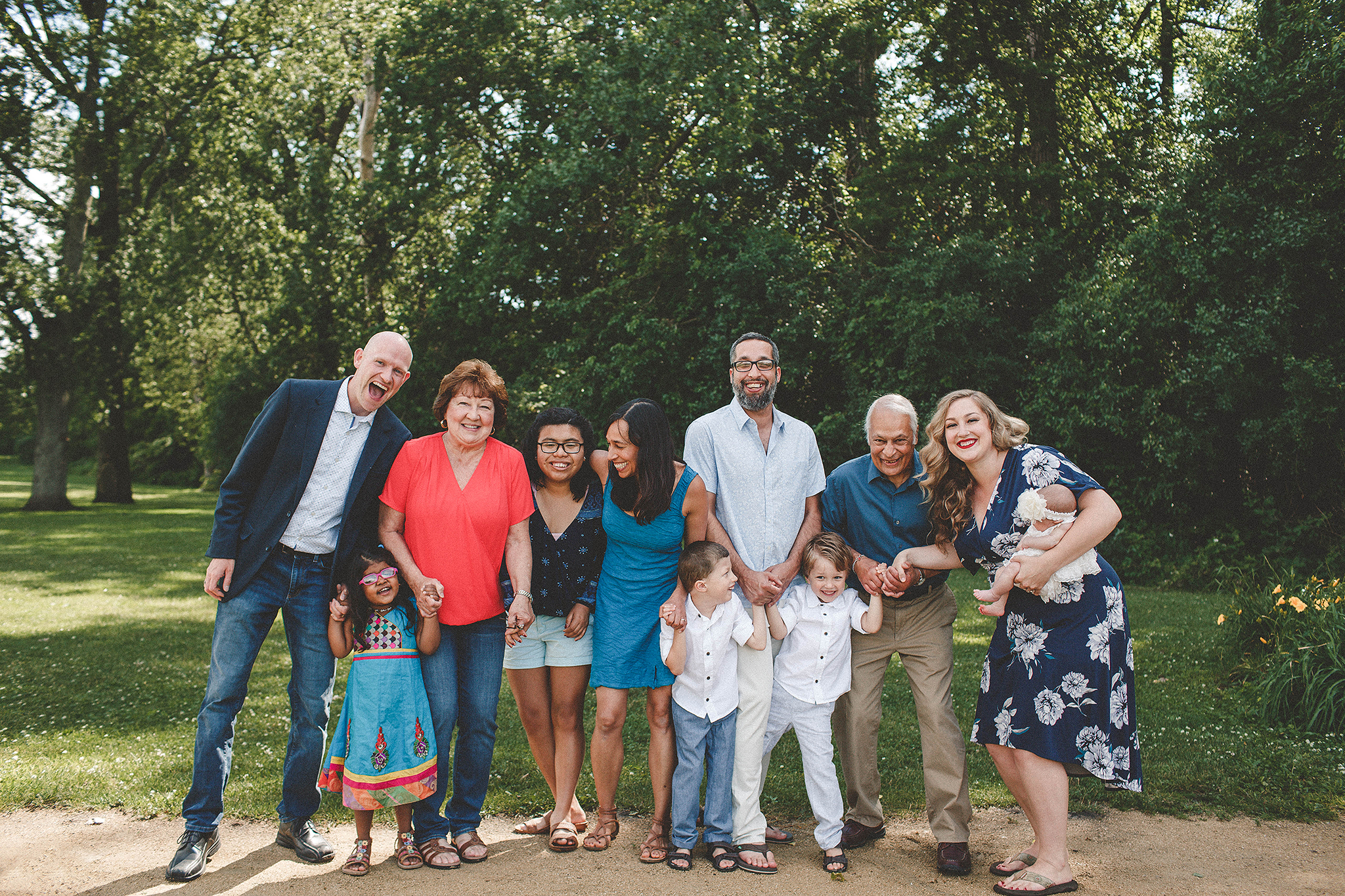extended family photos outside | sycamore il family photographer