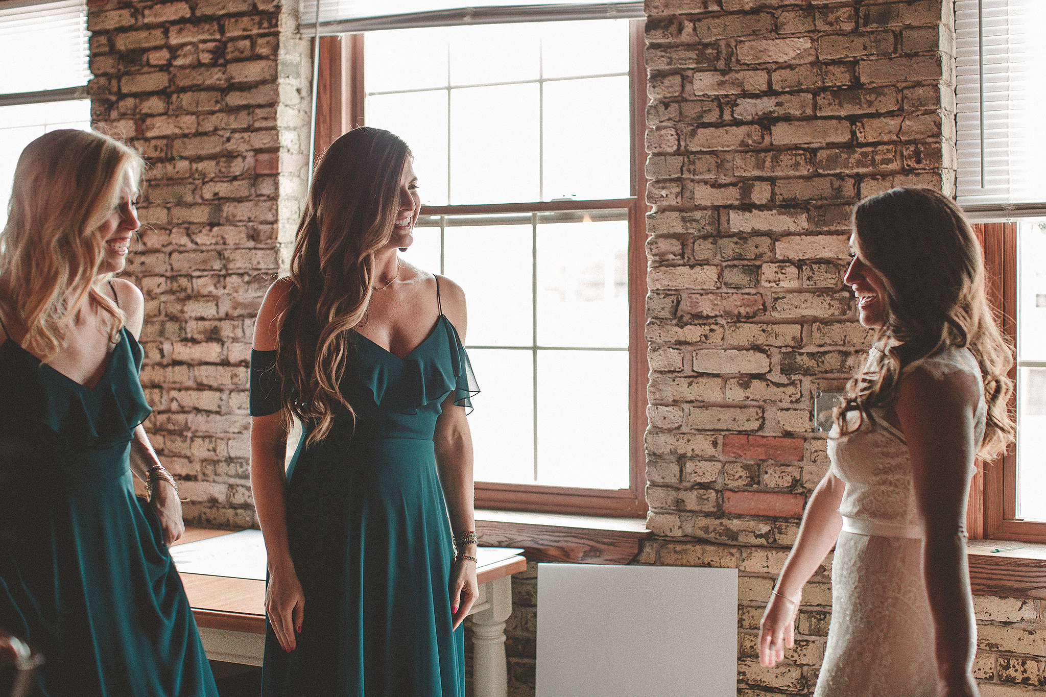 bride revealed to bridesmaids | the ivy house milwaukee wedding photographer | chrissy deming photography