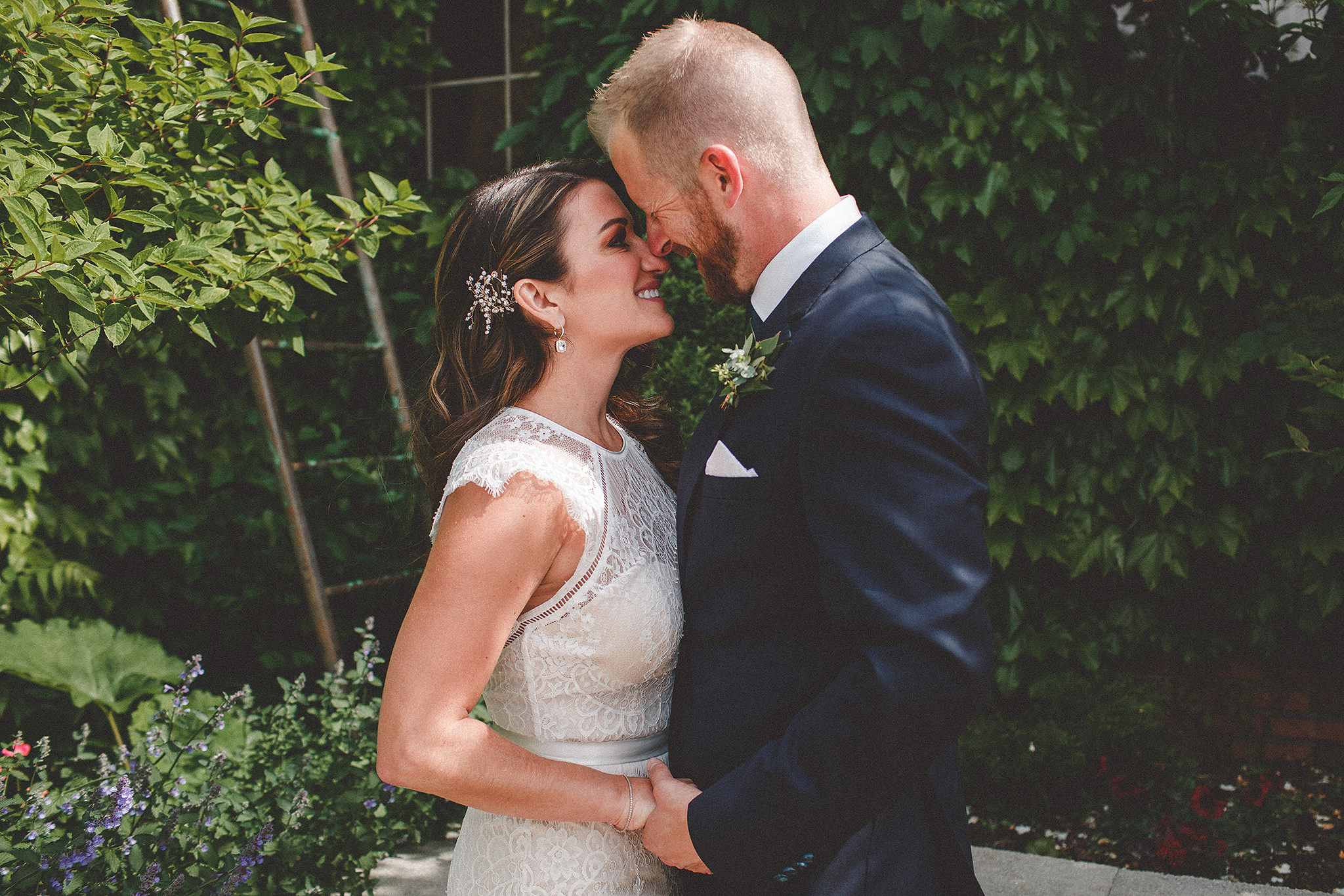 bride/groom portrait in front of ivy wall | the ivy house milwaukee wedding photographer | chrissy deming