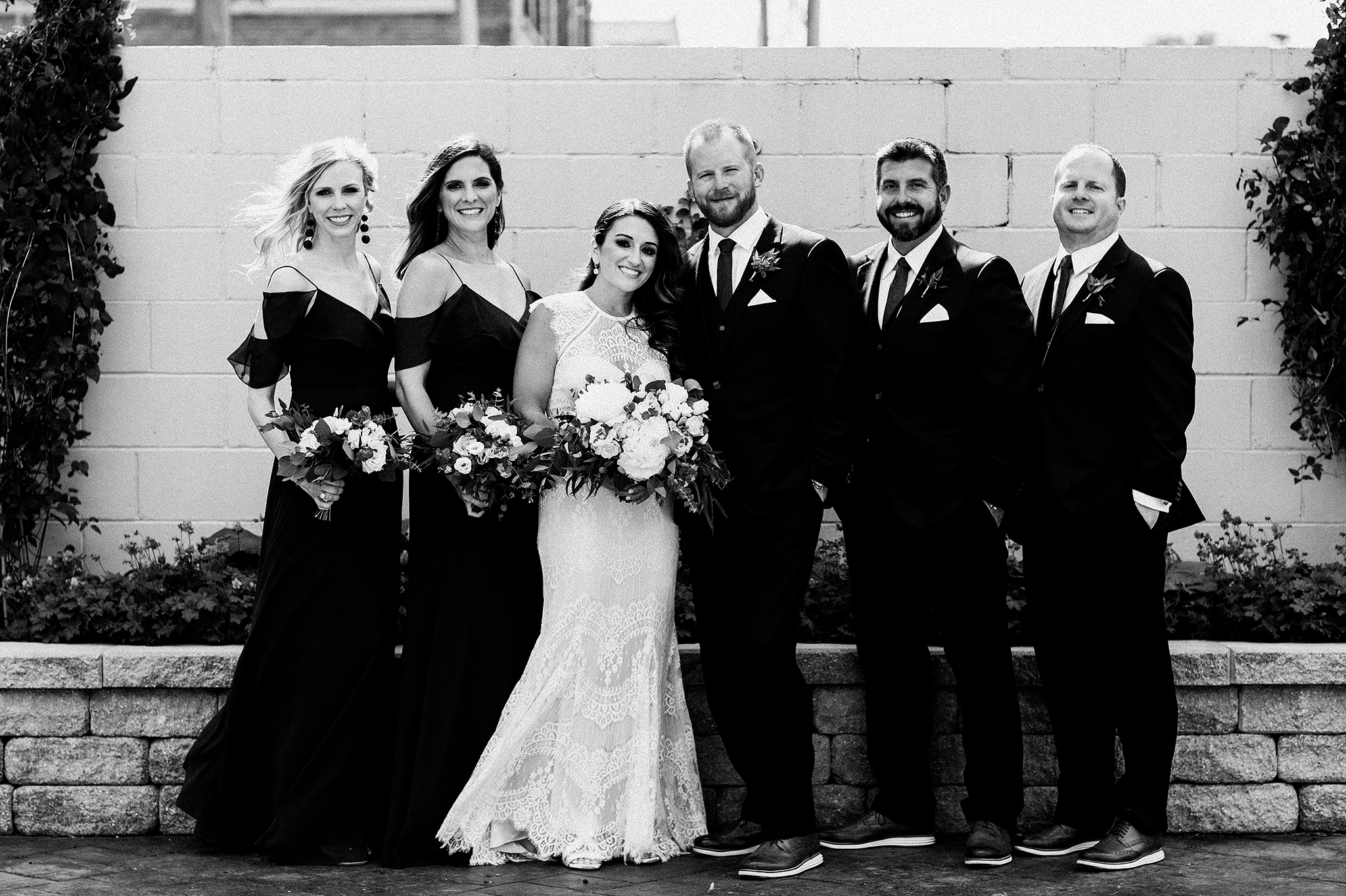 wedding party pictures | the ivy house milwaukee wedding photographer | chrissy deming