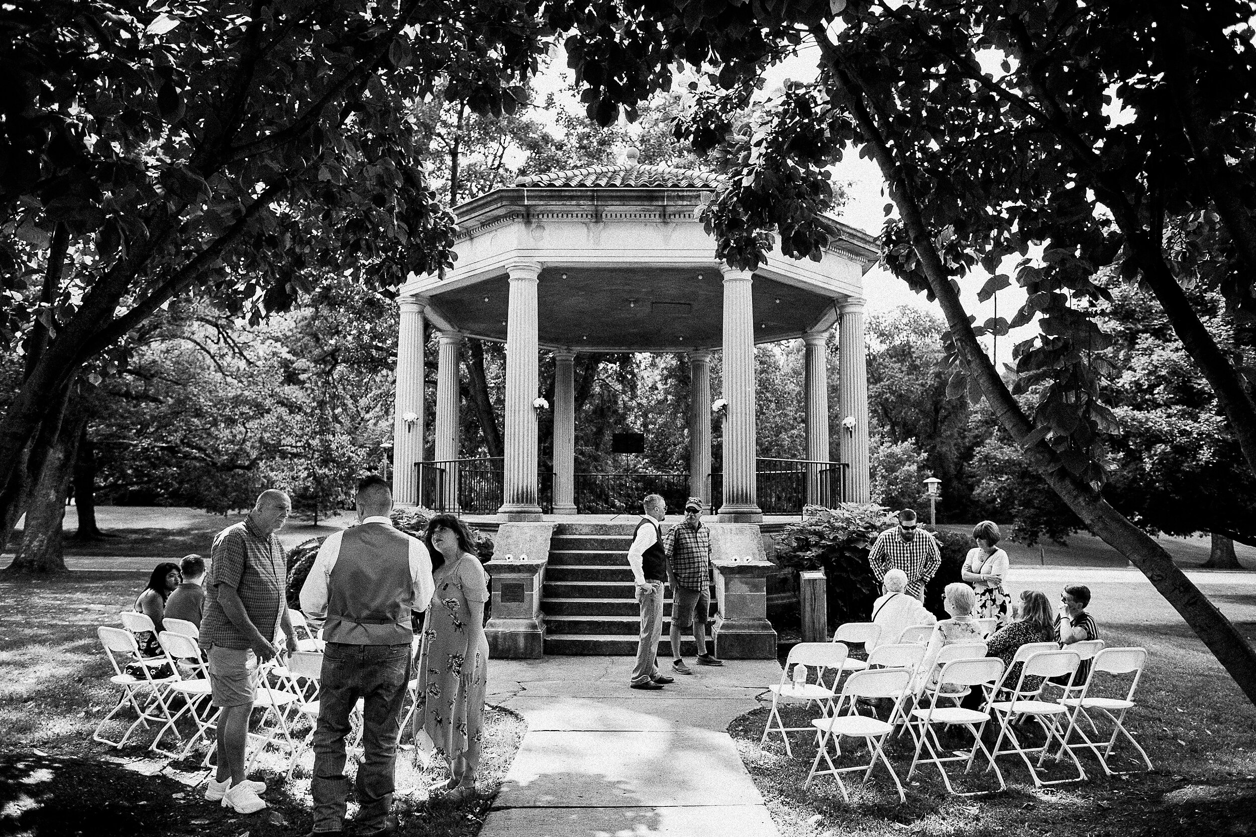 washington-park-gazebo-springfield-il-wedding-photography_0013.jpg