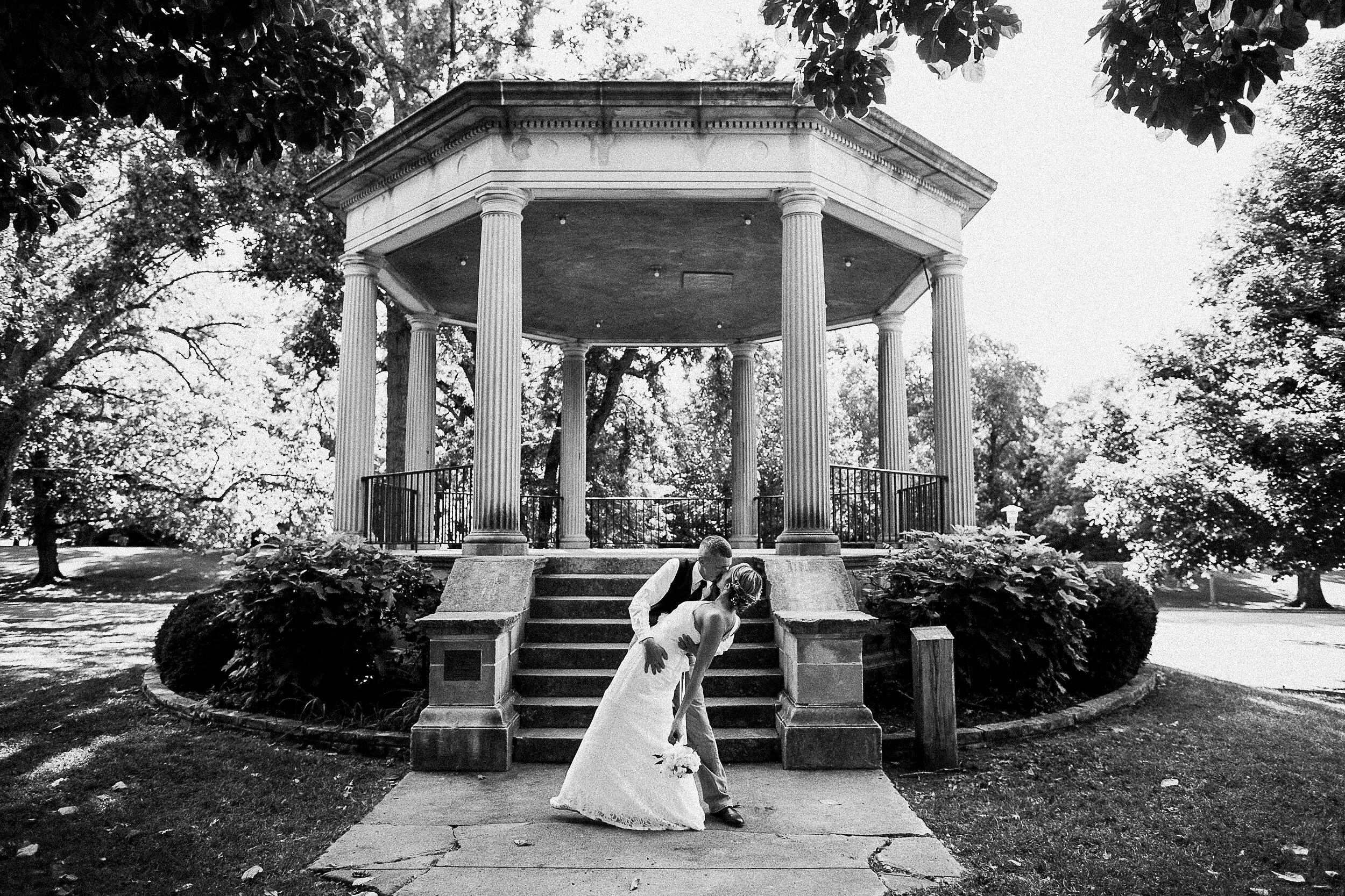 washington-park-gazebo-springfield-il-wedding-photography_0073.jpg
