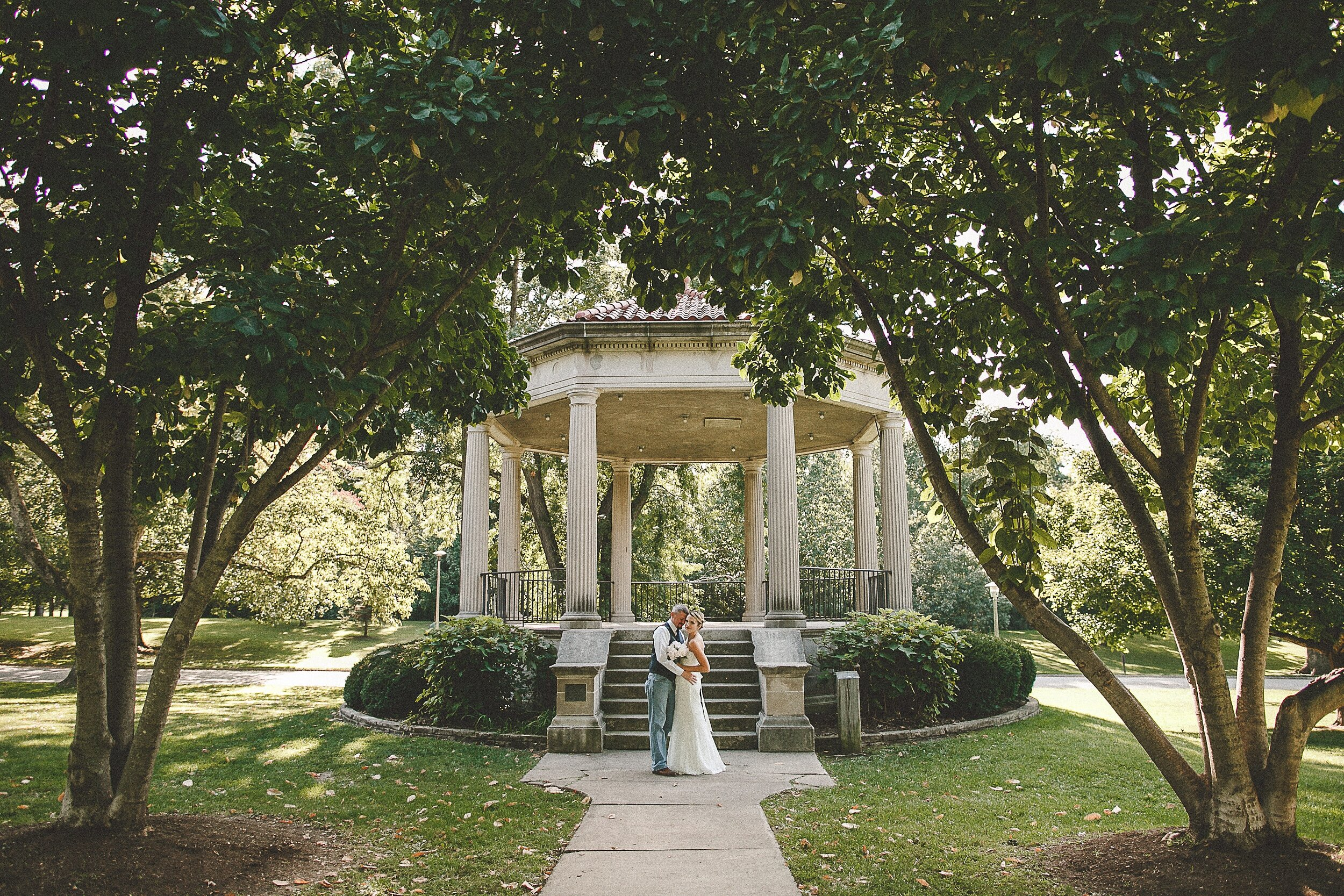 washington-park-gazebo-springfield-il-wedding-photography_0072.jpg