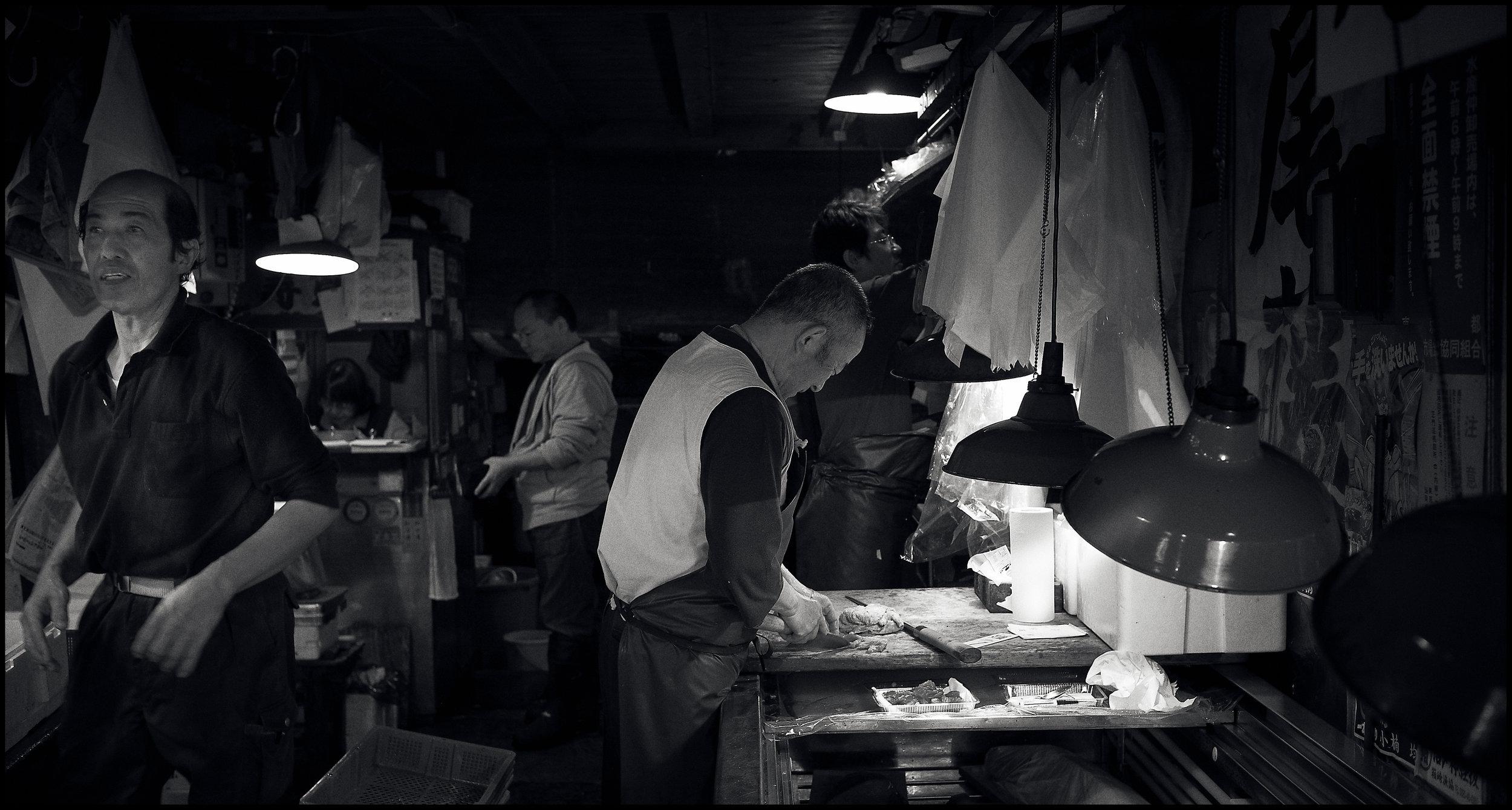 Tsukiji_Fish_Mkt_Tsukiji_08_10_09_-009695.jpg