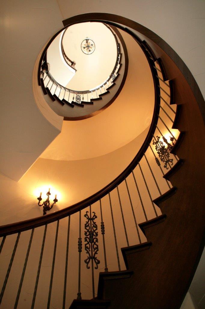 4081 Chestnut- Spiral Staircase.jpg
