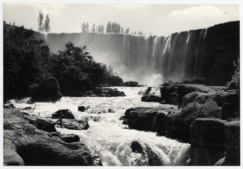 (7) Domingo Ulloa,  Salto del Laja   (1950) © Biblioteca Nacional