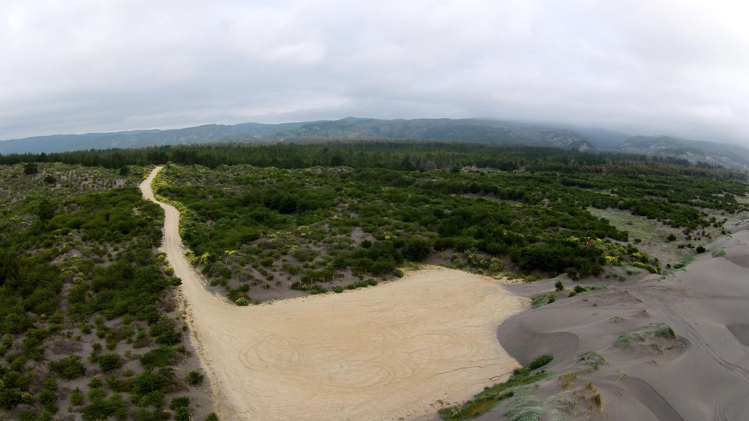 (2  ) Playa de Topocalma · Litueche, Chile © LOF·drone para   LOFscapes