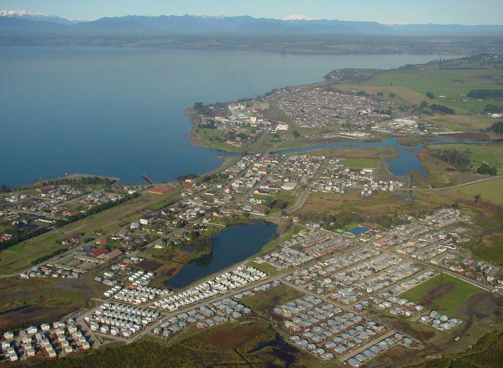 (1) Vista aérea de Llanquihue (2016)  © Municipalidad de Llanquihue <http//:www.llanquihue.cl>