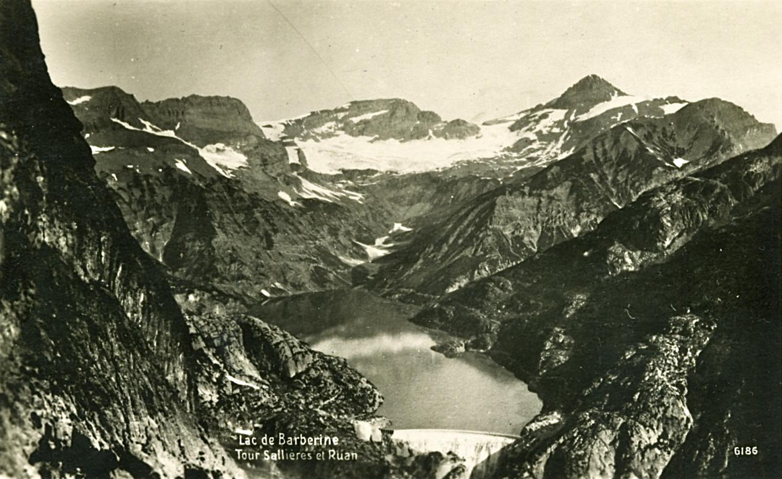 (2) Presa Barberine, situada en el cantón suizo de Valais. Tarjeta Postal. © Notre Histoire