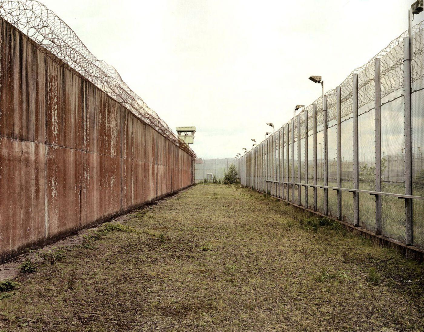 (4) The Maze (2004) © Donovan Wylie [vincentborrelli.com]
