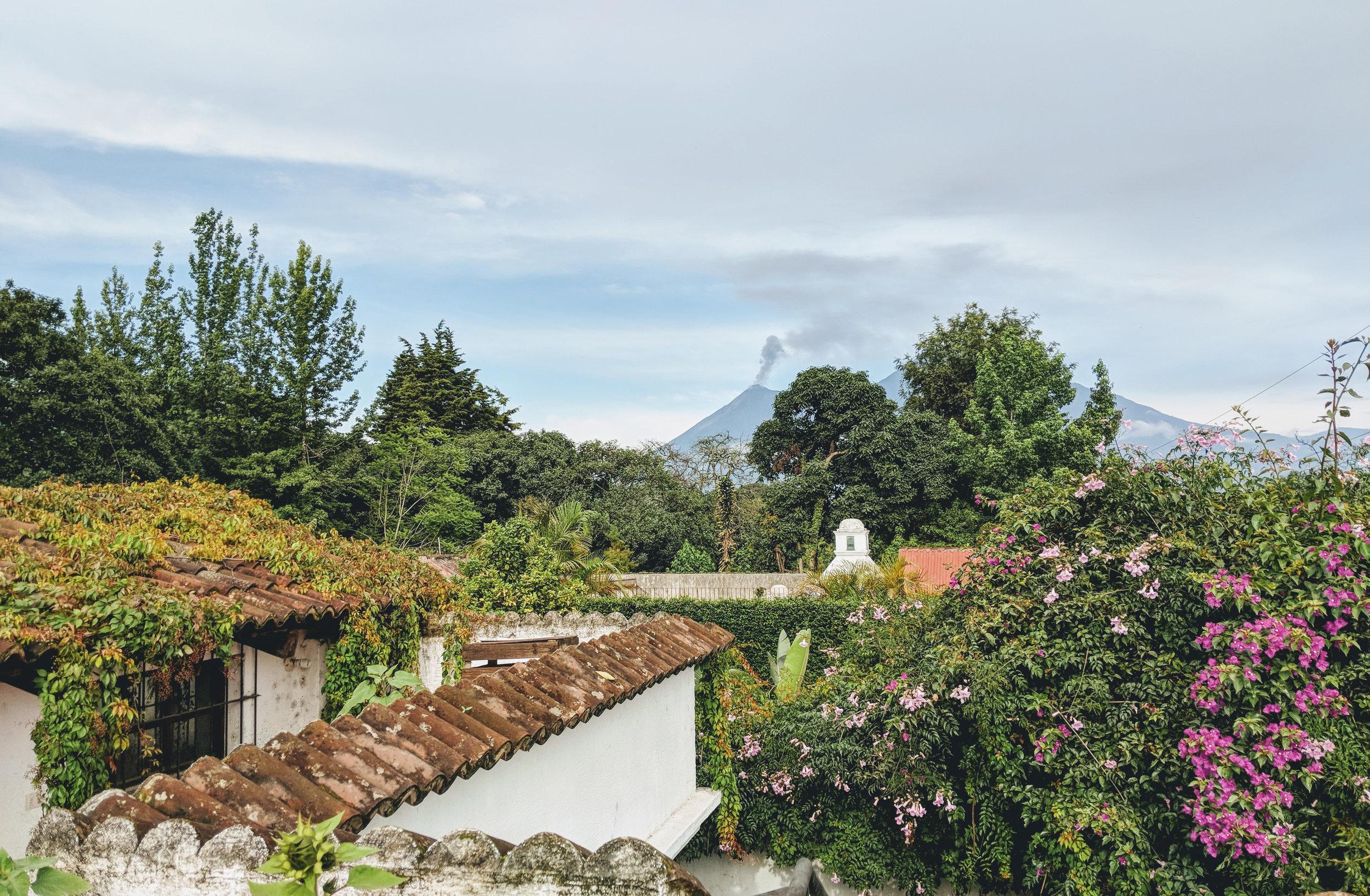 (1) Volcán de Fuego visto desde San Pedro, Sacatepequez (2018) ©Javiera Infante para LOFscapes.jpg