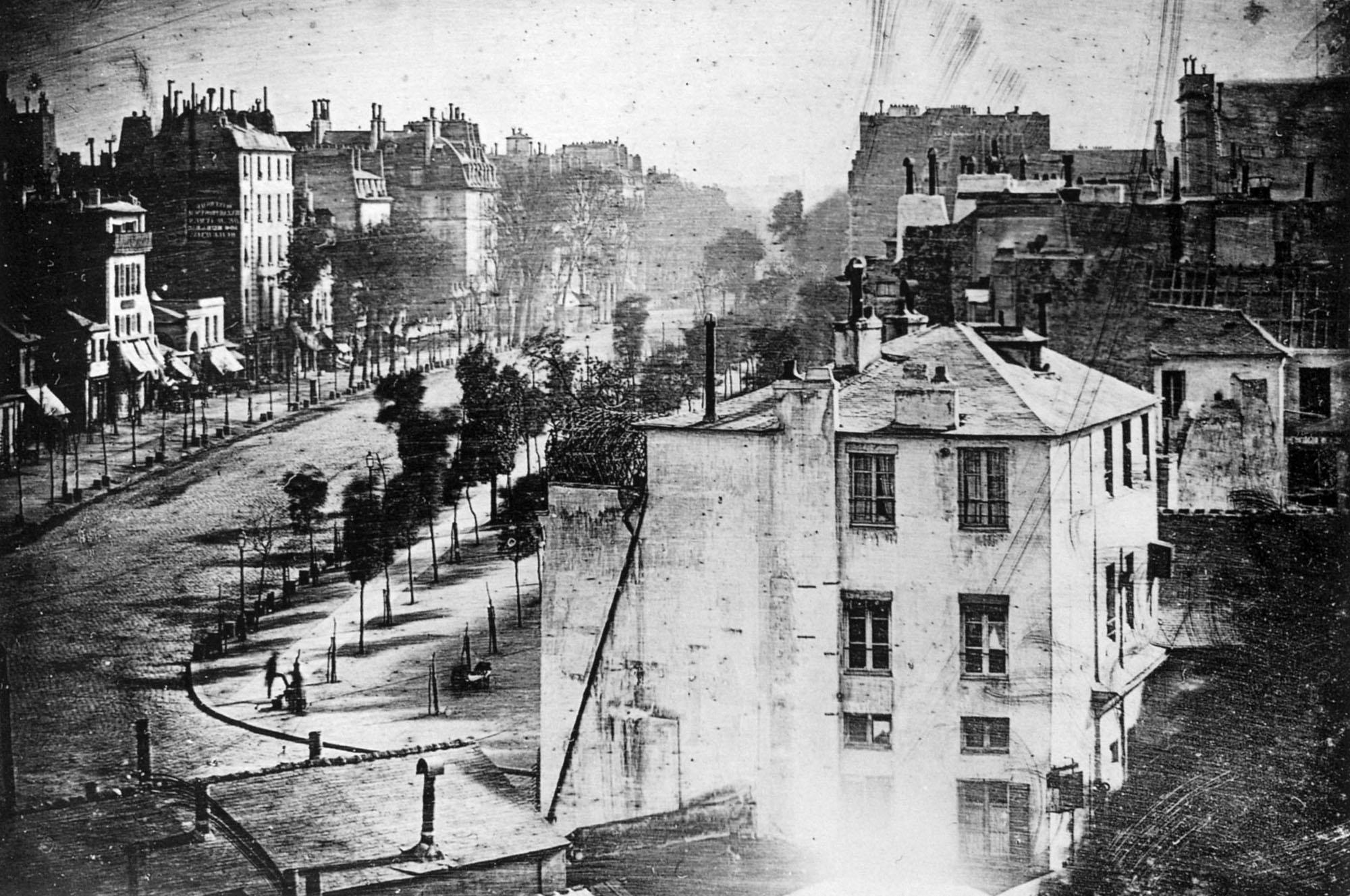 (1)  Boulevard du Temple, Paris (1838) © Louis Mandé Daguerre