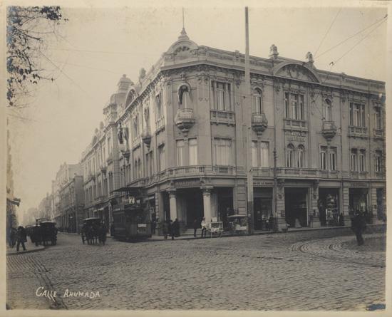 (8)  Calle Ahumada  (ca. 1900)   © Fotografía Heffer