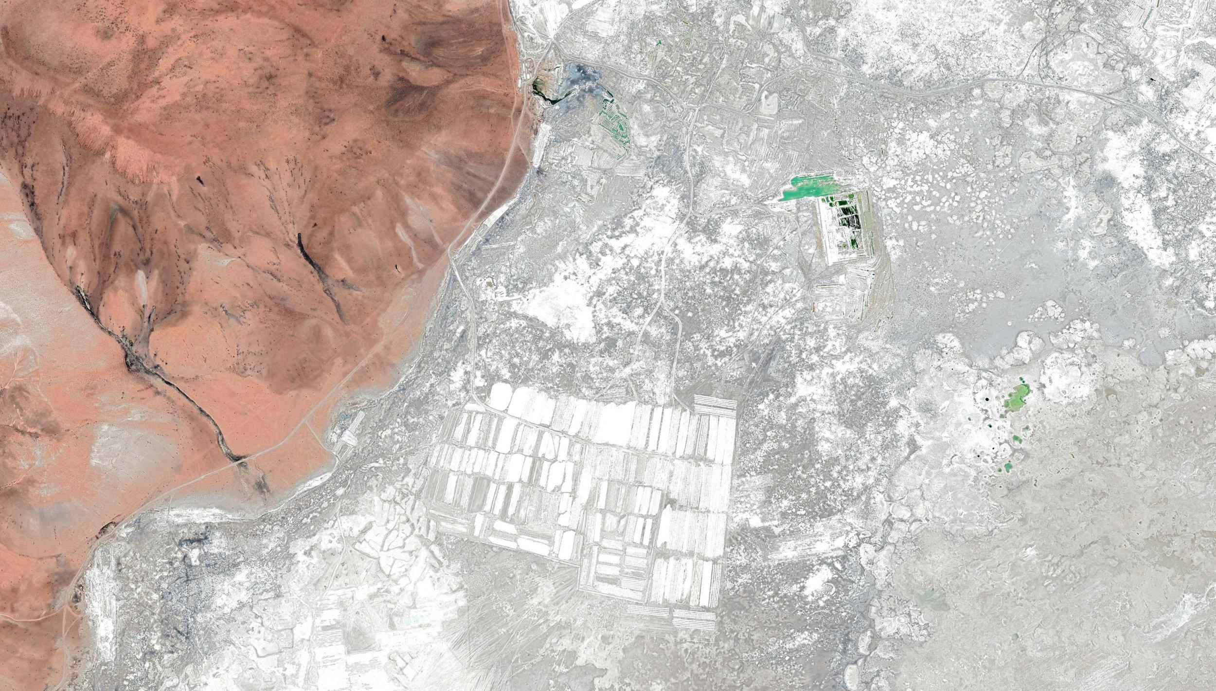 (4) Minería en Salar de Surire © Google Earth para LOFscapes
