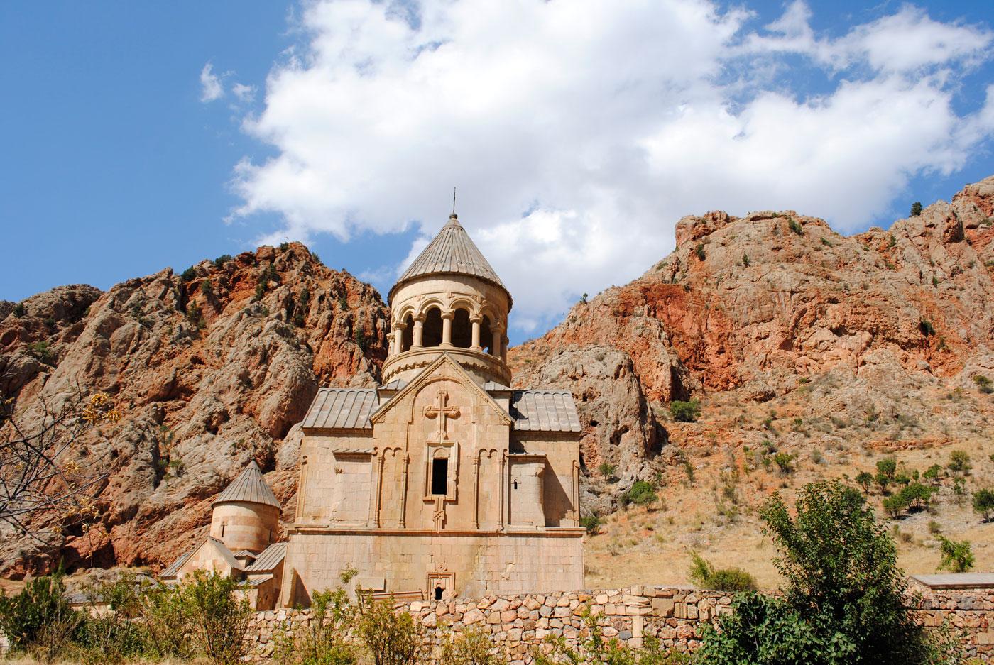 (3) Monasterio Geghard, 2018© Agustina Poggione.Situado en un cañón en la comunidad rural de Areni, cerca de la ciudad de Yeghegnadzor en el marz de Vayots' Dzor, al sur de Armenia.