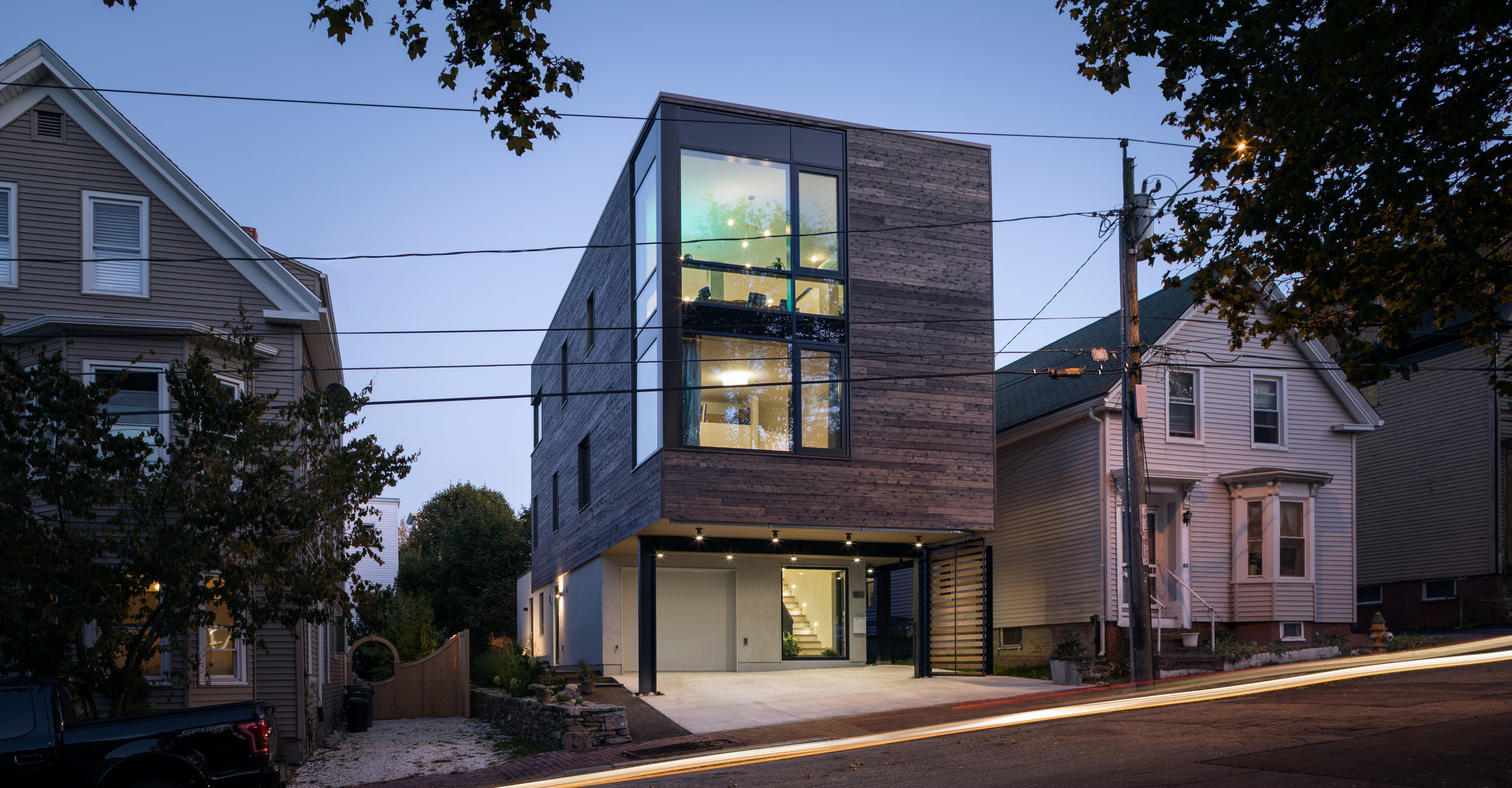 CITATION / RESIDENTIAL    Boxed In(fill): Quebec St. Residence, Portland    OPAL (FORMERLY GO LOGIC)   PHOTOGRAPHED BY TRENT BELL