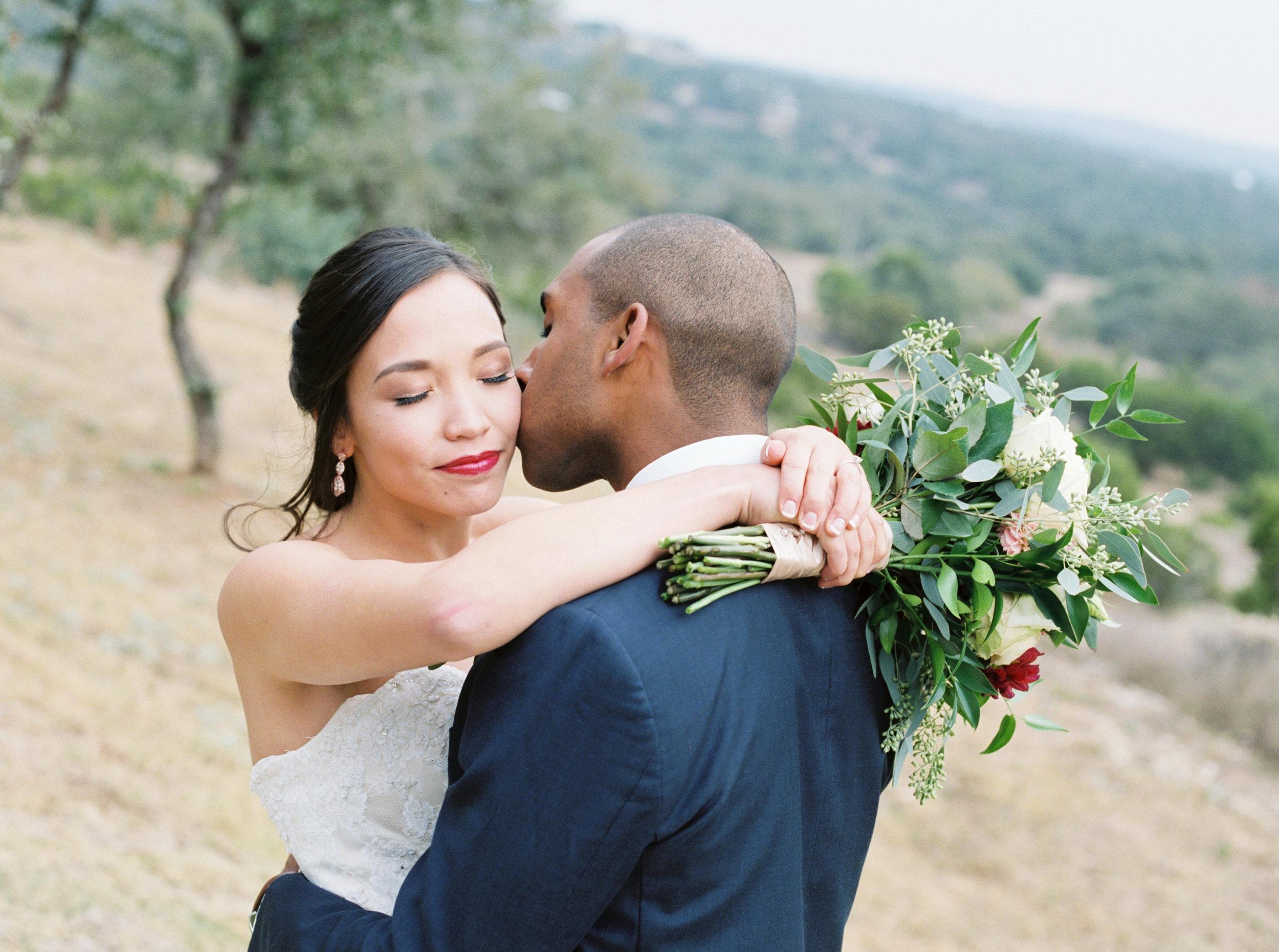 Fine art canyonwood ridge wedding in Austin Texas