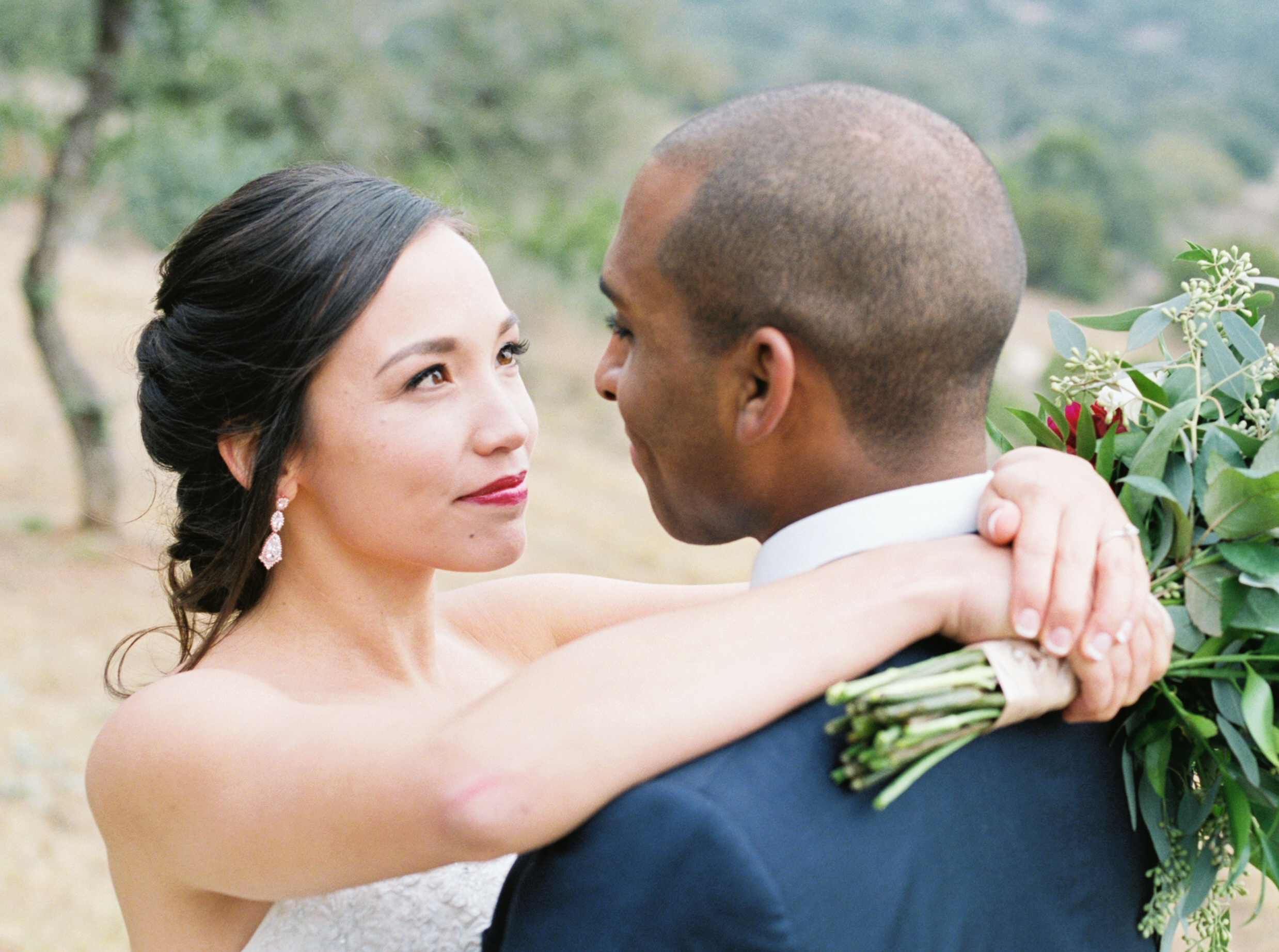 Fine art canyonwood ridge wedding in Austin Texas on film.