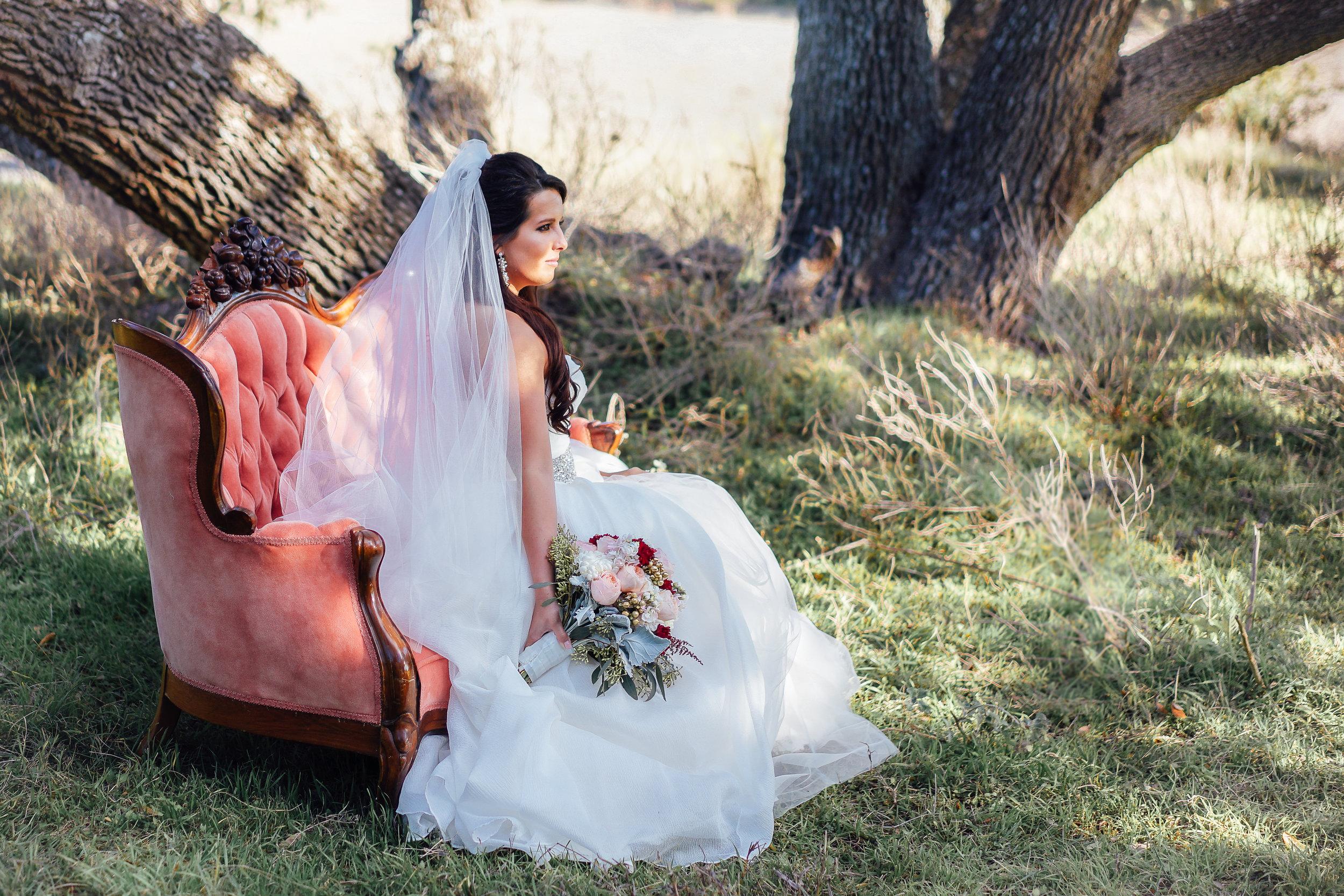 Inspiring Oaks Ranch Wimberley Wedding Photos