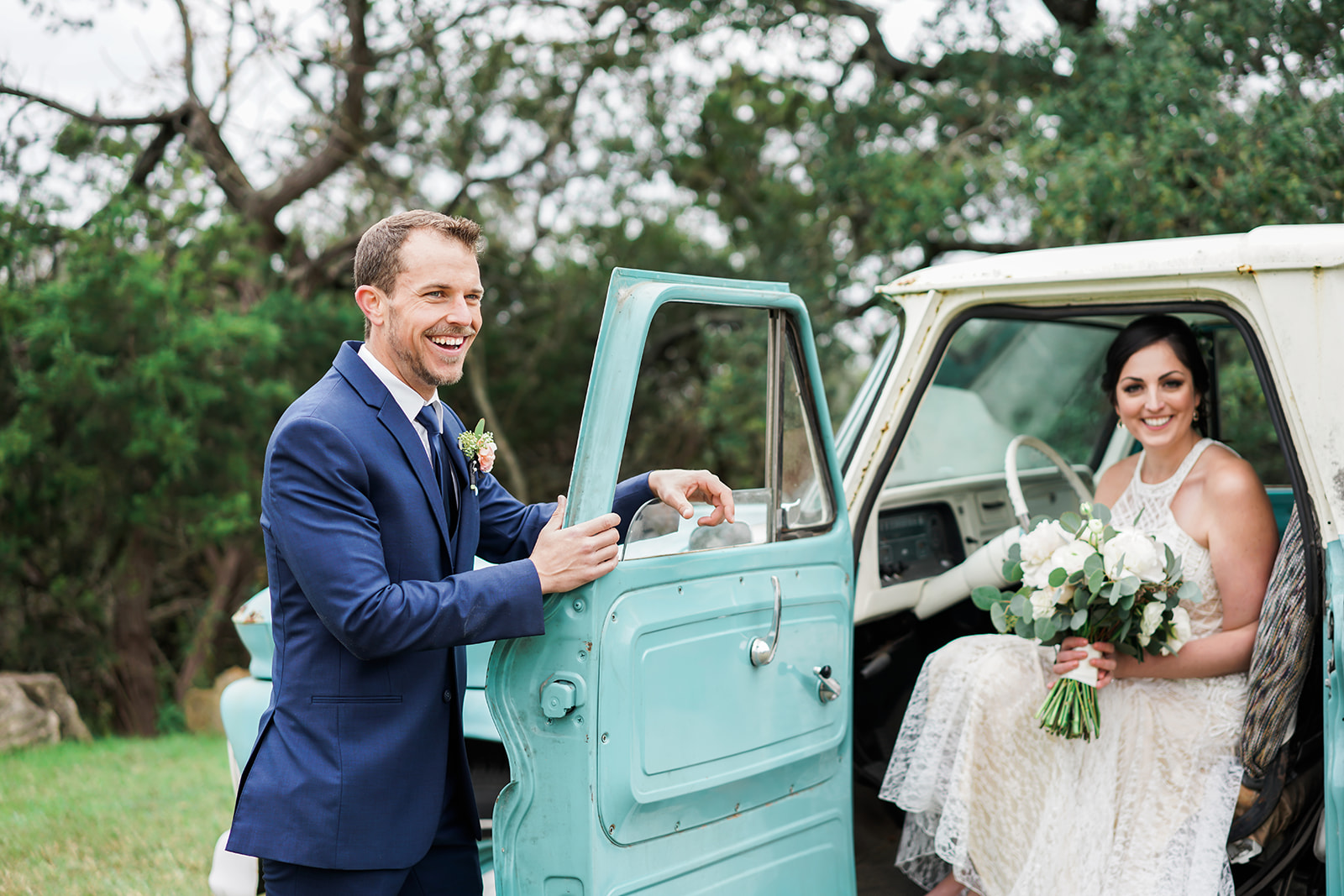 Austin Wedding Photographer | Intimate Austin Wedding Photos | Chapel Dulcinea Wedding | Austin Wedding Venue | Austin Elopement | Caitlin Rose Photography | Hill Country Wedding