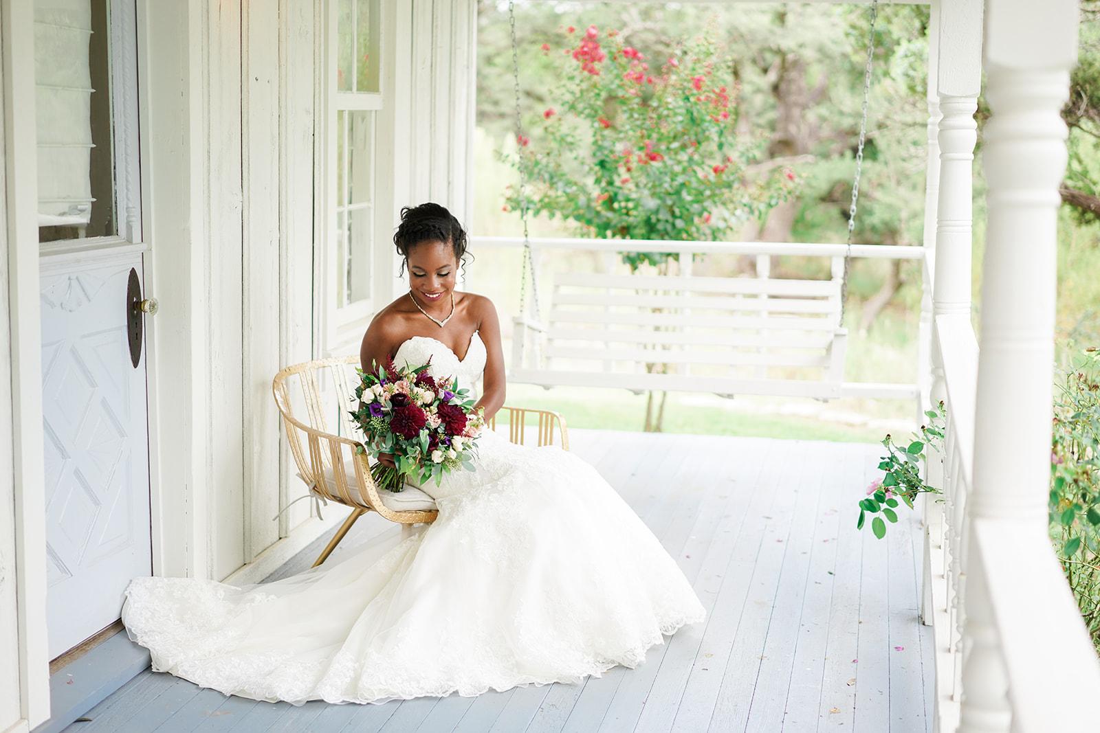 The Ivory Oak wedding photos | Ivory Oak wedding photographer | Austin wedding as seen in Style Me Pretty