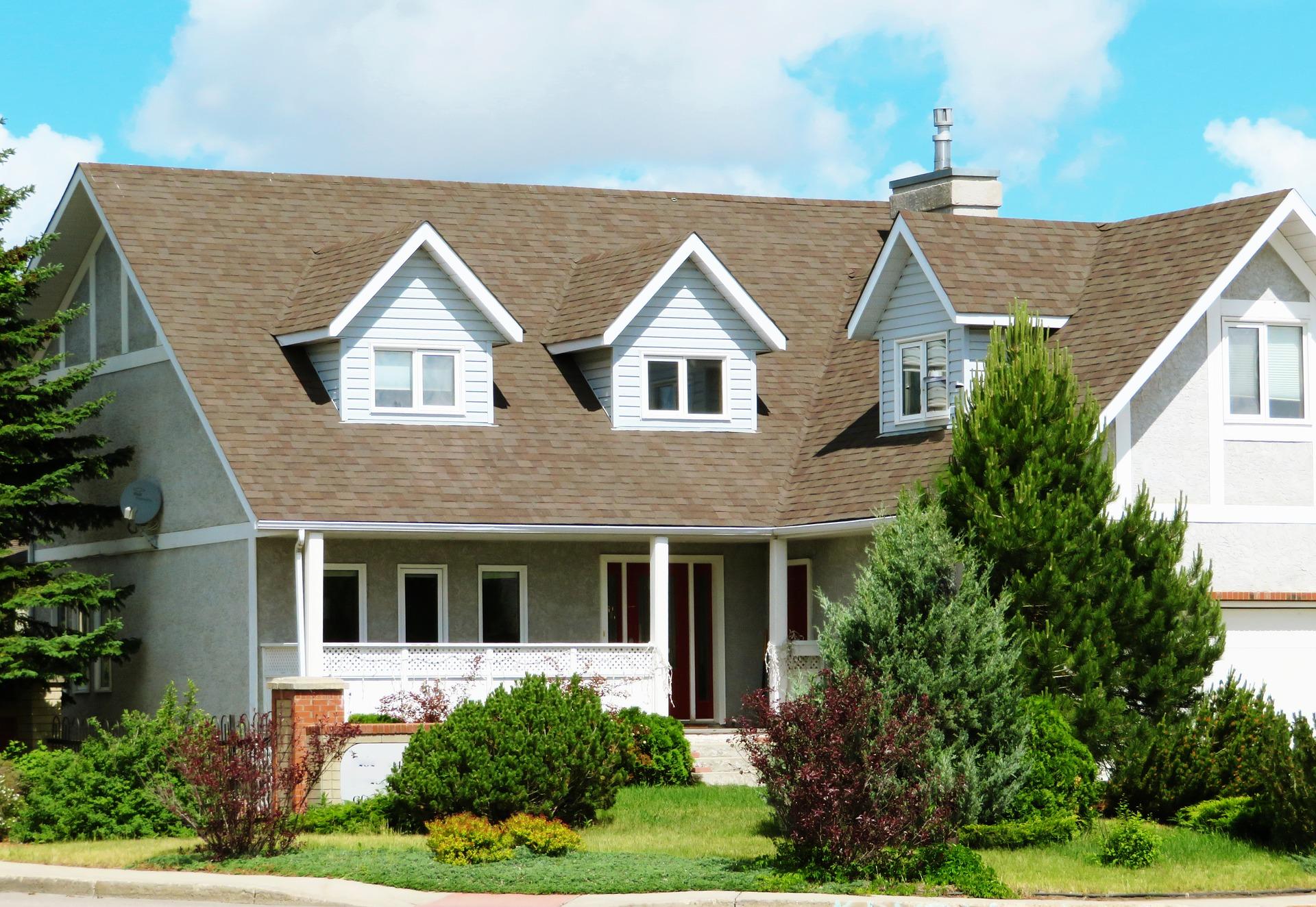 house-2417271_1920.jpg