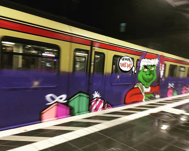 Frohes Fest from Berlin. #weihnachtenfälltaus #deutschebahn #bvg