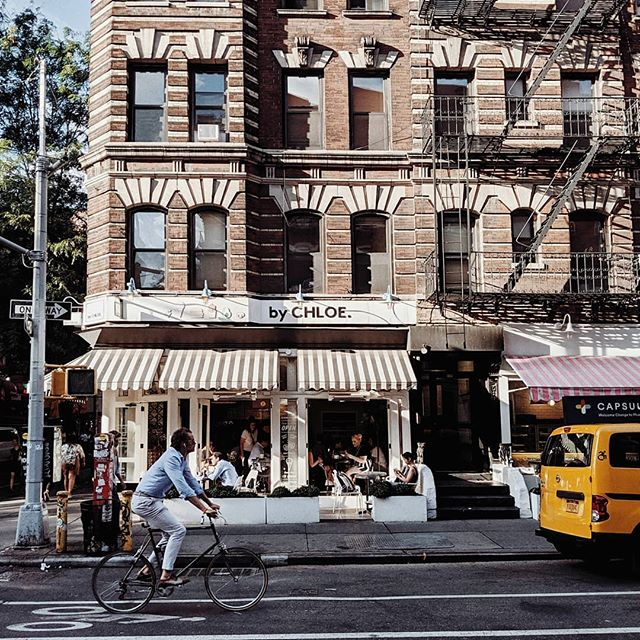 🚲🚕💨 #nyc#newyorkcity#streetgrammer#strideby#bikeby#bitsofbuildings#architecturephotography#ihavethisthingwithbikes#chasing_facades#facadelovers#postcardplaces#postcardsfromtheworld#visitnyc#straightfacades#shotwithpixel#shotonpixel#strangersinmyfeed#teampixel#theprettycities#mytinyatlas#byfolk#streetshot#passionpassport