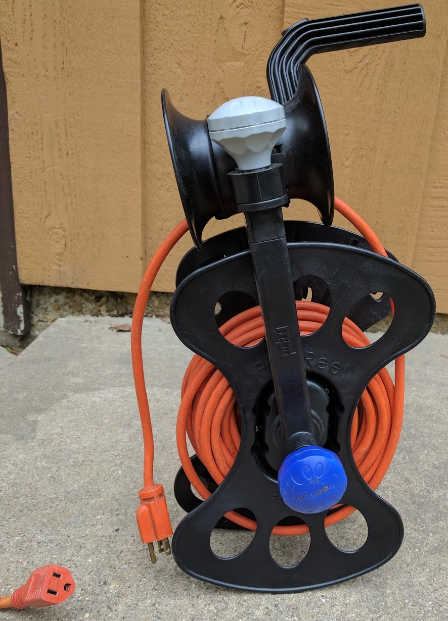 To use one or more of the cords stored on the FreeReel, just unplug the cord(s) you need!