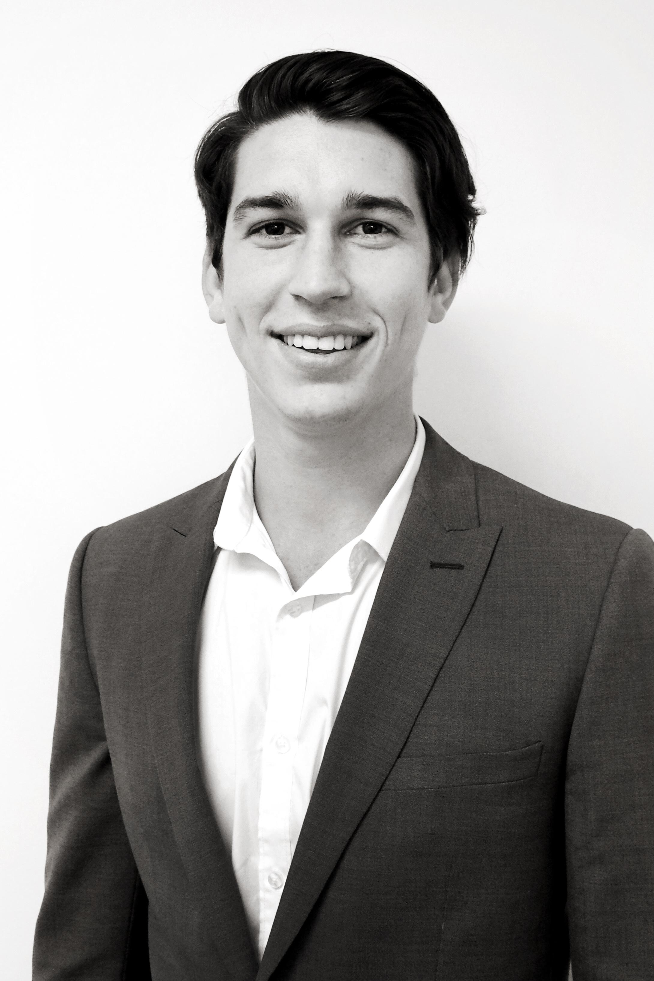 Niall Hoolahan | Senior Consultant