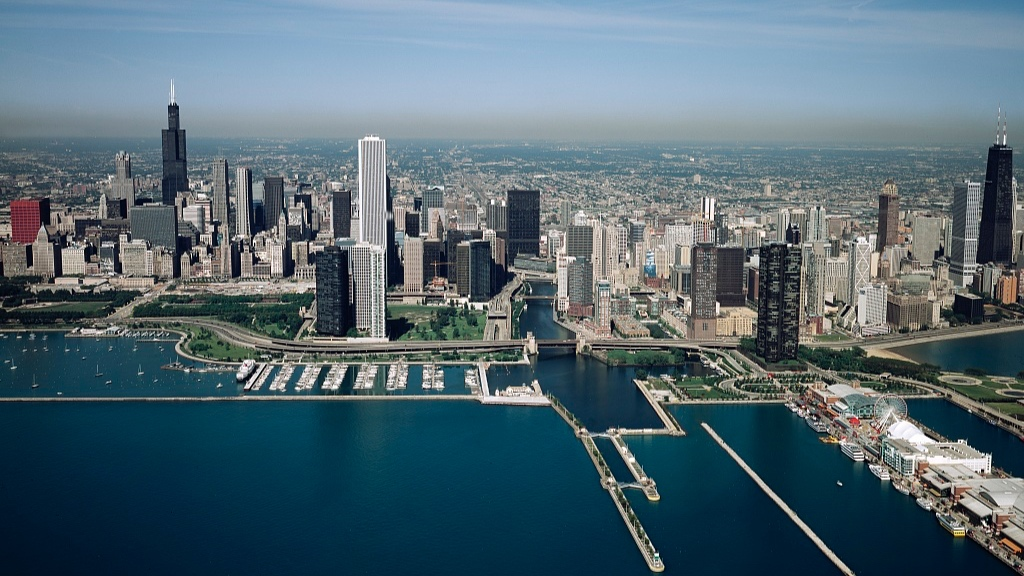 Skyline+and+lakefront+Chicago+Illinois.jpg