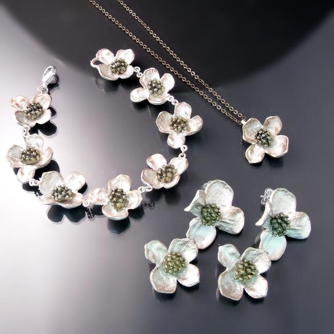 flower jewellery dogwood bracelet earrings pendant