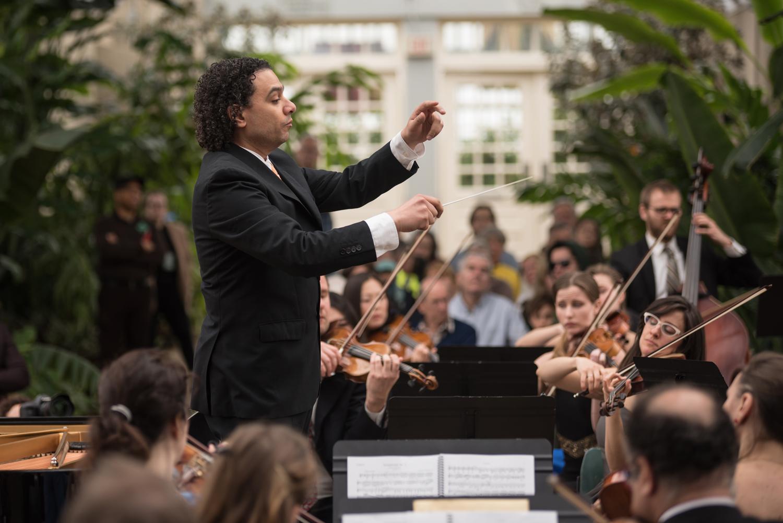 56_Oistrakh-Symphony-Thomas-Nickell-Music-Under-Glass-180414_(Photo-by-Johnny-Nevin)_327_1500.jpg