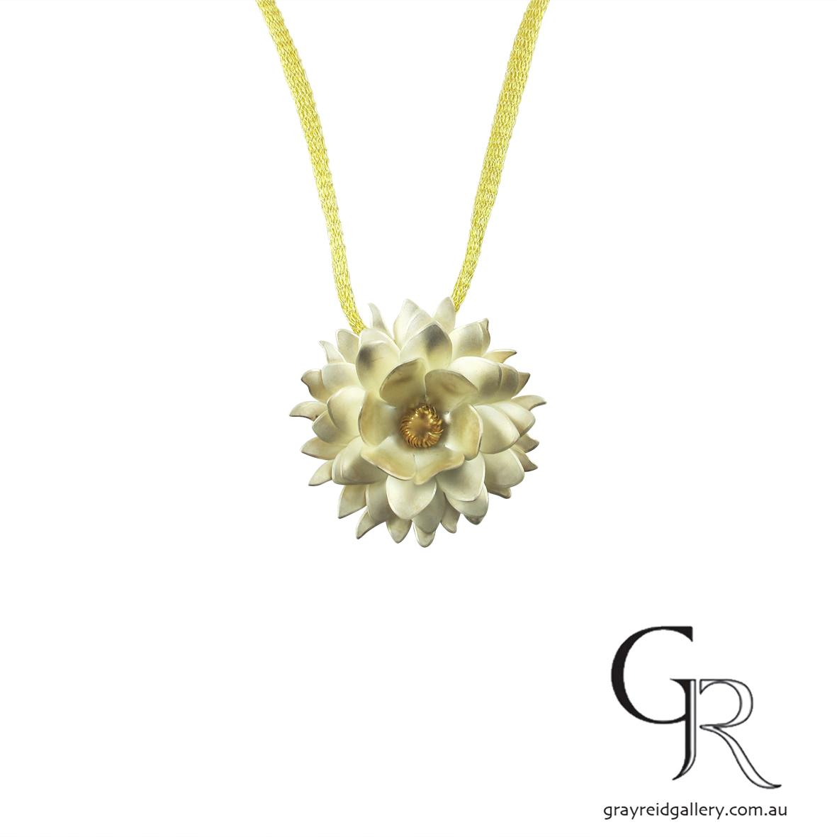 flower pendant silver kombu Marcus synott.jpg