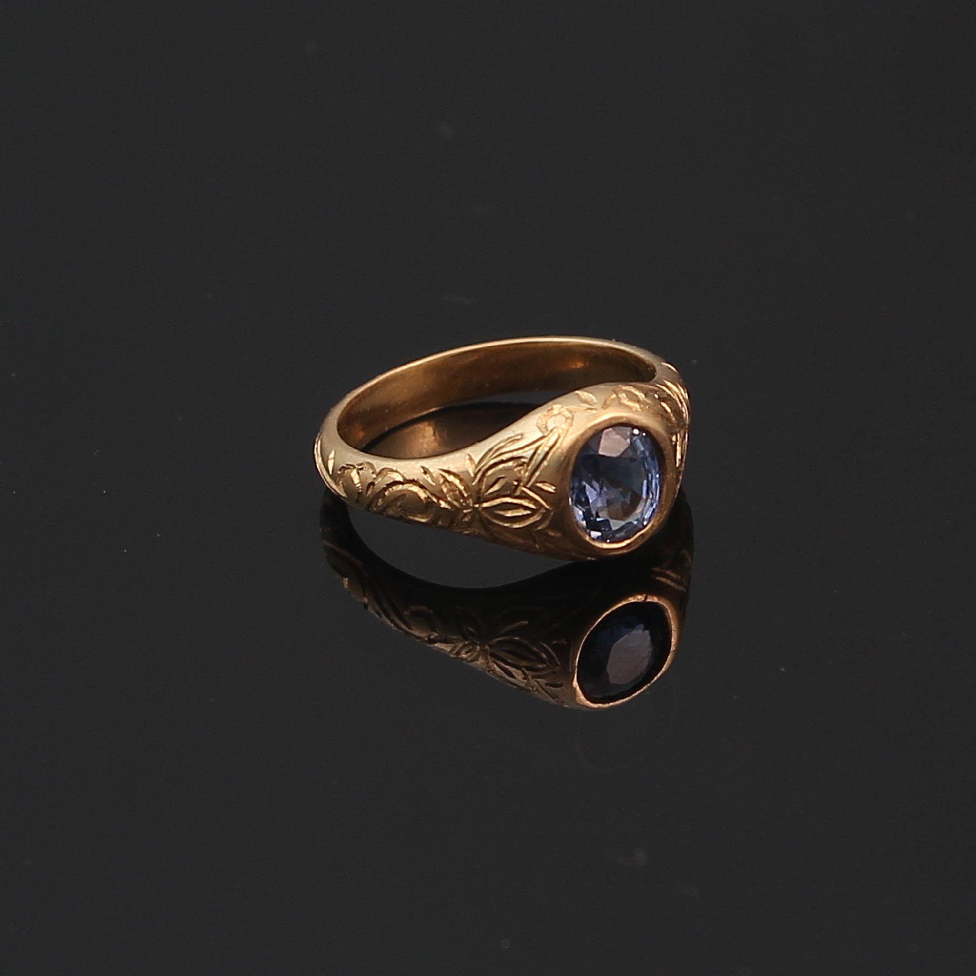 22k gold natural blue sapphire ring with hand engraving by Alexander wilson alexander gems and jewels gray reid gallery 3.JPG