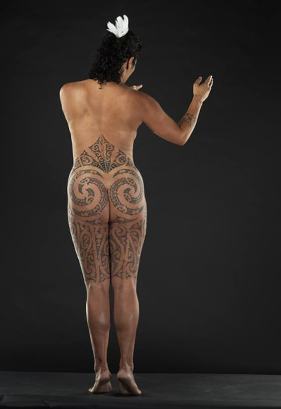 Moko peha by Julie Paama-Pengelly, photographed by Norm Heke of Te Papa Tongarewa National Museum of New Zealand.
