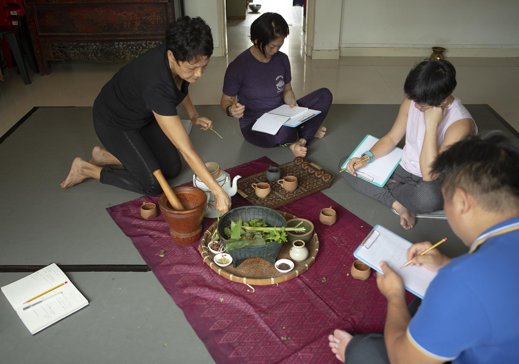 Figure 1 Tea session during workshop at Pink Gajah with Ajuntha Anwari Courtesy of Alecia Neo HALF PAGE.jpg