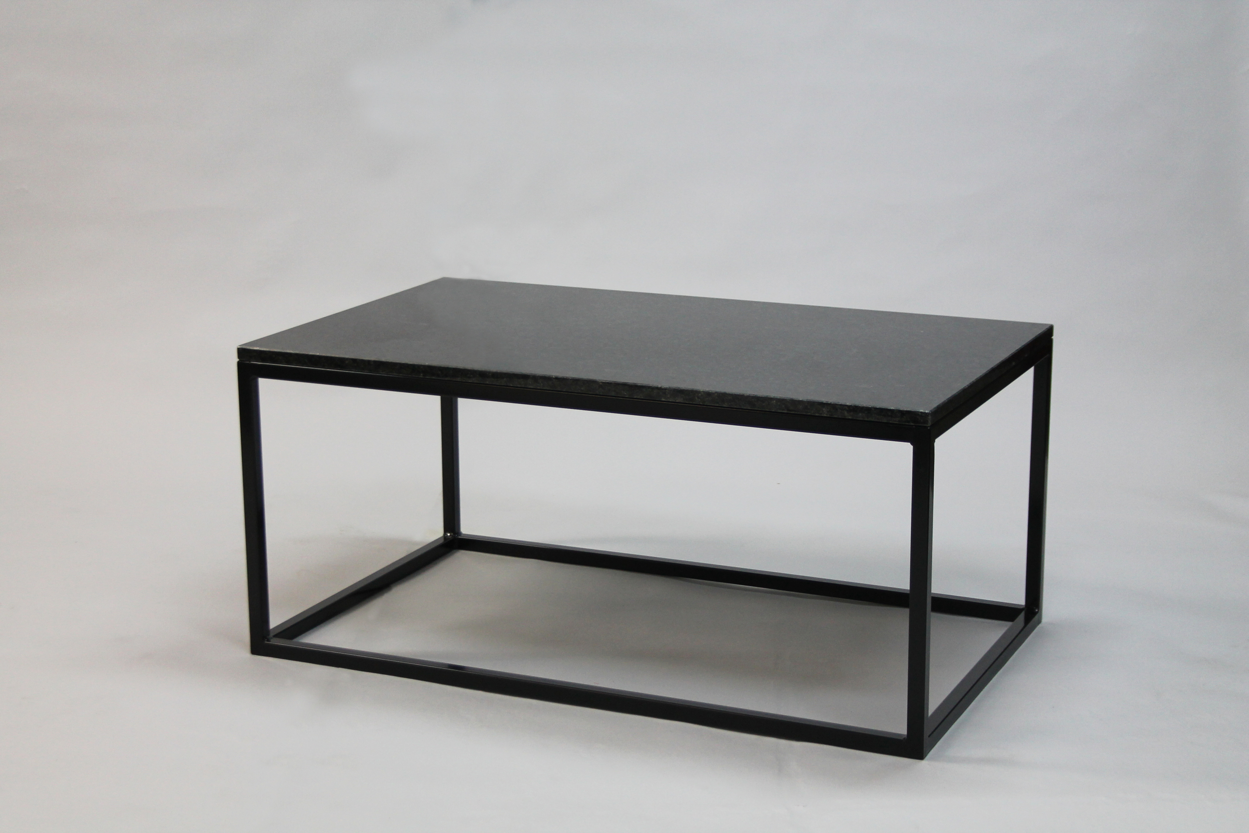 Svartgranit 100x60 H 45 svart kub underrede