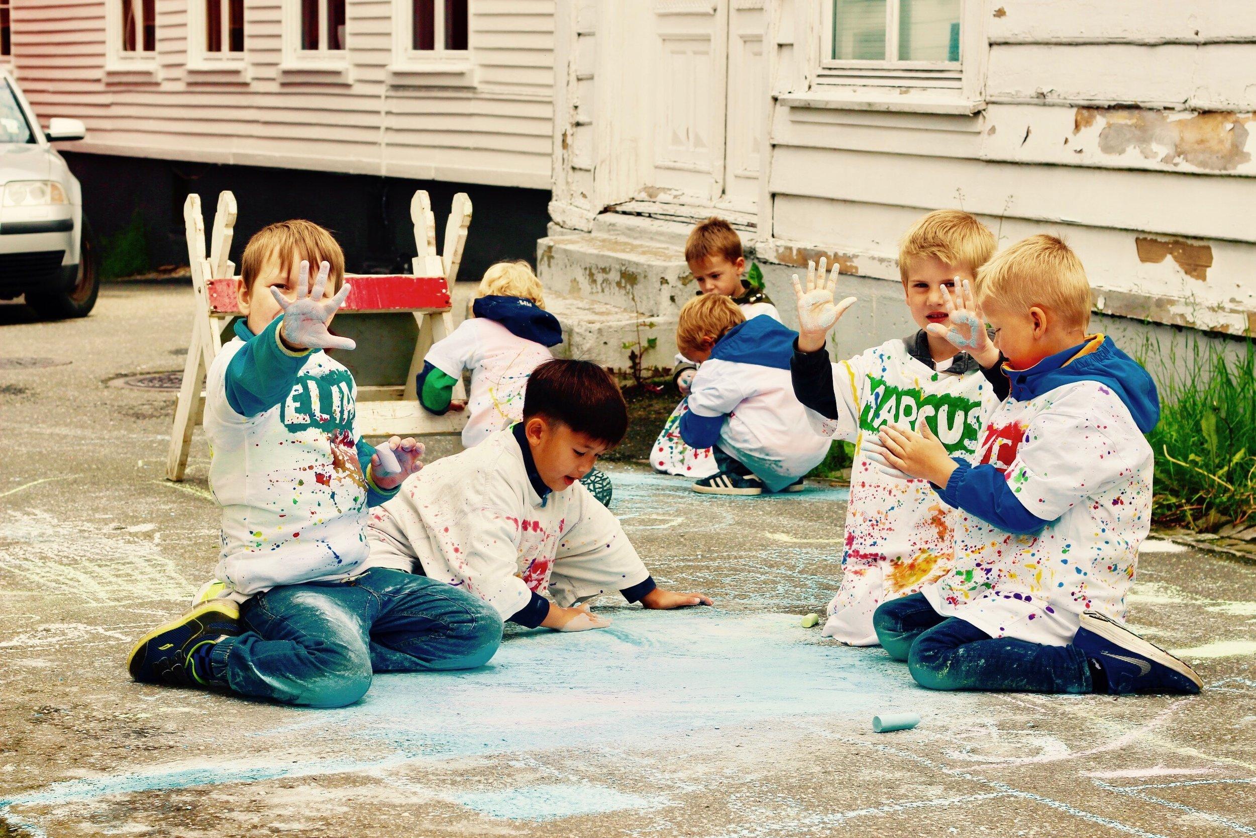 2017: Kritt Art 2017 Gunnhild Cambell Åsly. Leder av workshop for nærmere 300 barn i Hollenderbyen