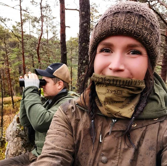 It's hunting season in Norway. ☘️☀️🍁🍄🍂 Some couples spend this time together, like @elisabethidland_ and her husband. Thanks for sharing this great shot @elisabethidland_ 🤩🤩👏👏