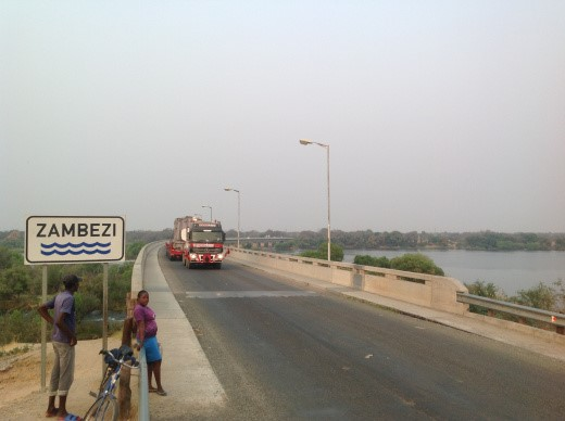 Zambezi Mammoet crossing