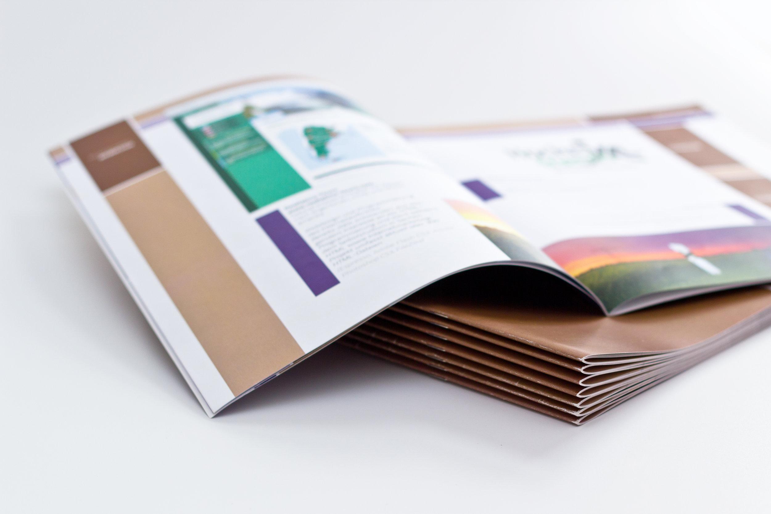 Drucksachen:Zusammen erarbeiten wir ein individuelles Design, bringen dabei Ihre Wünsche ein und sorgen somit für ein glänzenden Auftritt. -