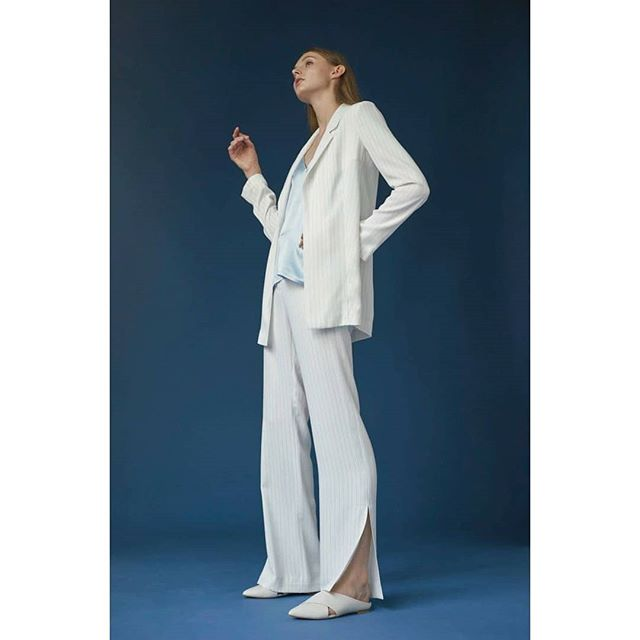 Lit💙  #sophisticated #ensemble #suit #match #pinstripe #fashion #madeinusa🇺🇸 #madeinny #collection #leahnewyork #lookbook #ss18 #buynow #shop #newarrivals💗💕 #ootd