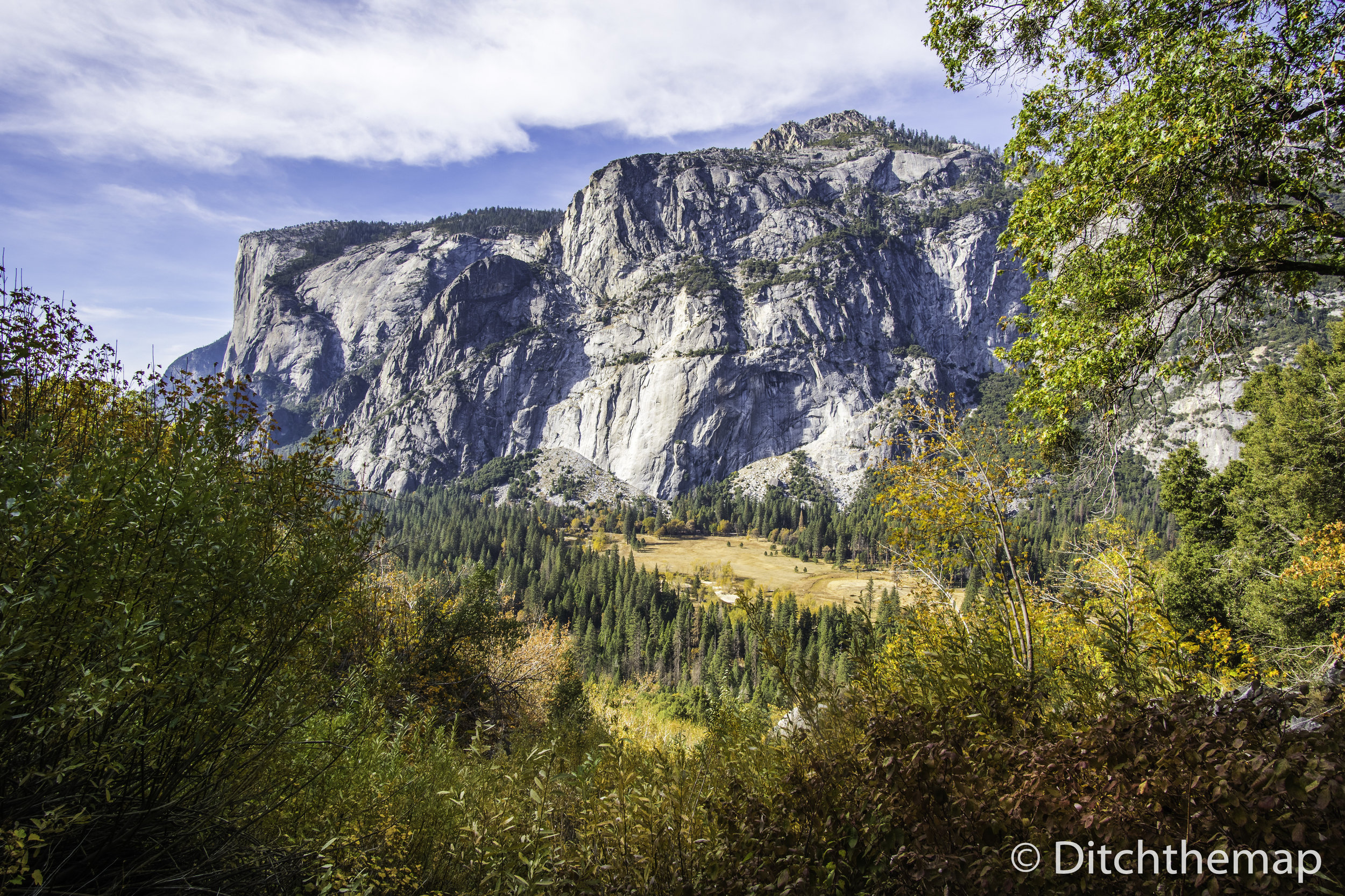 Scenic landscape of Yosemite Granite Cliff