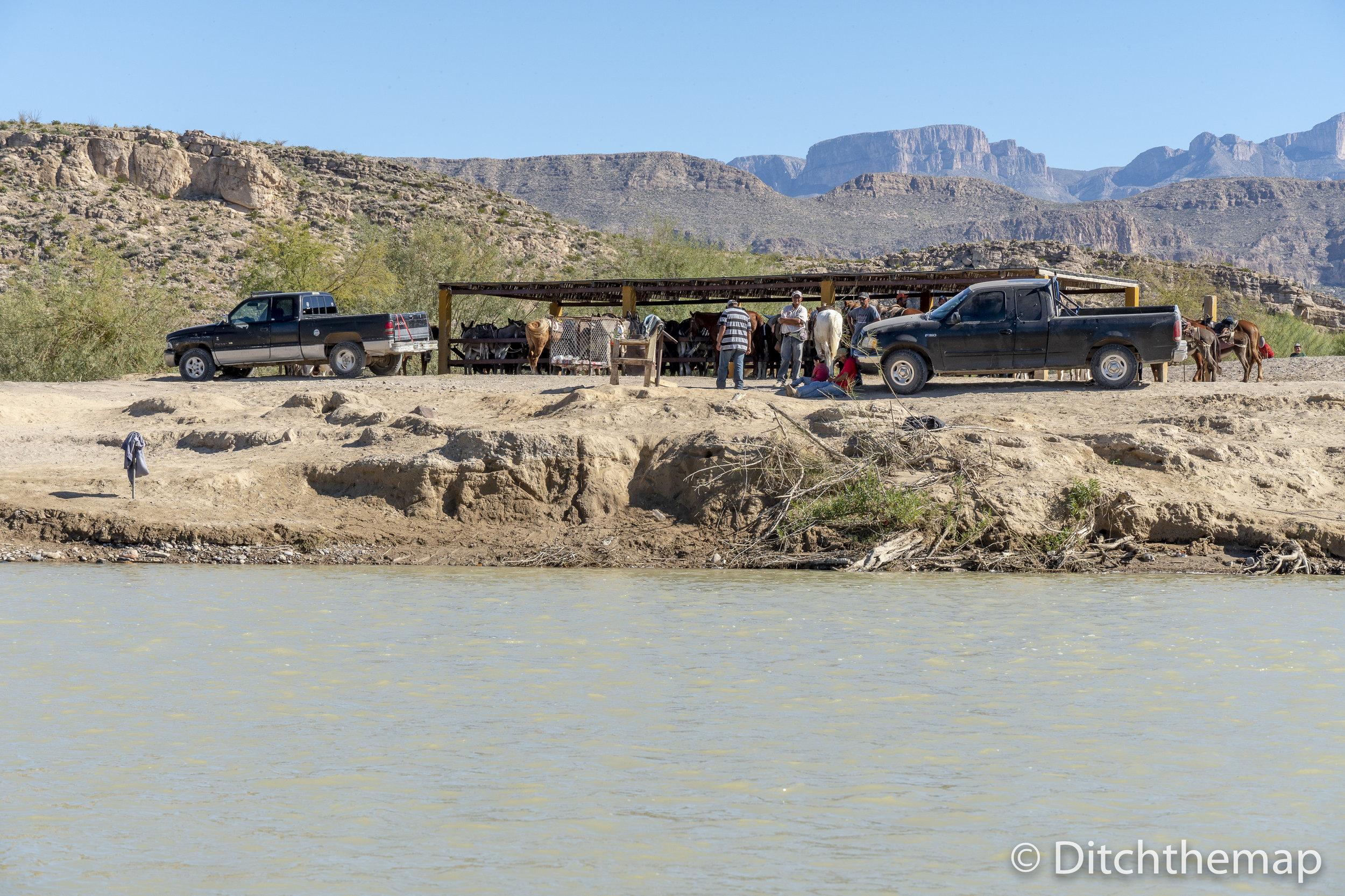 Mexican Border Crossing on Rio Grande