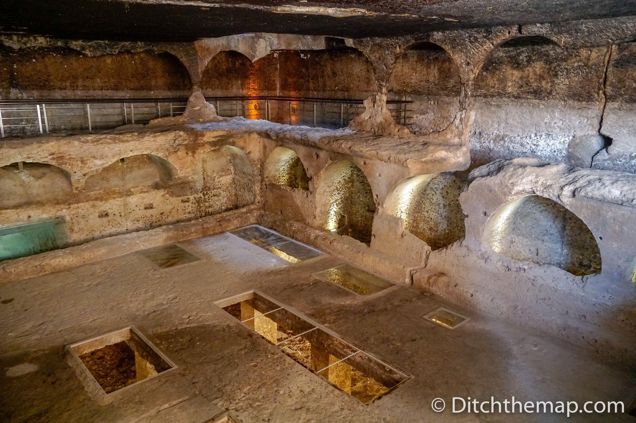 Gallery grave in Dara, Turkey